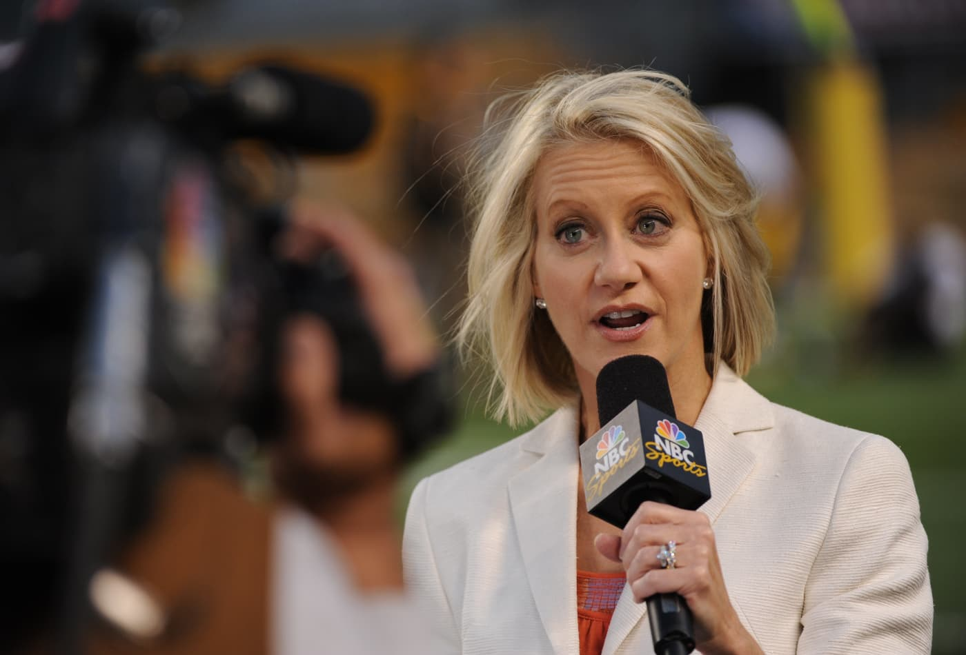 Meet The First All Female Broadcast Team For Nfl Games