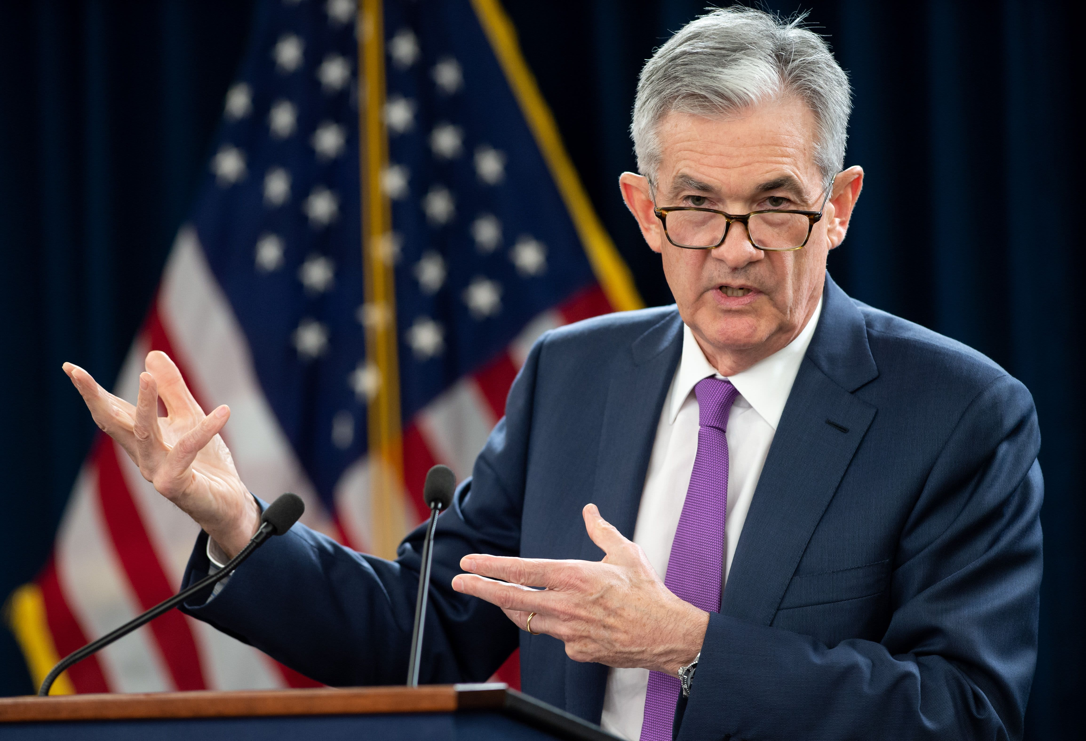 Powell says Fed doesn't see strong case for rate cut or hike