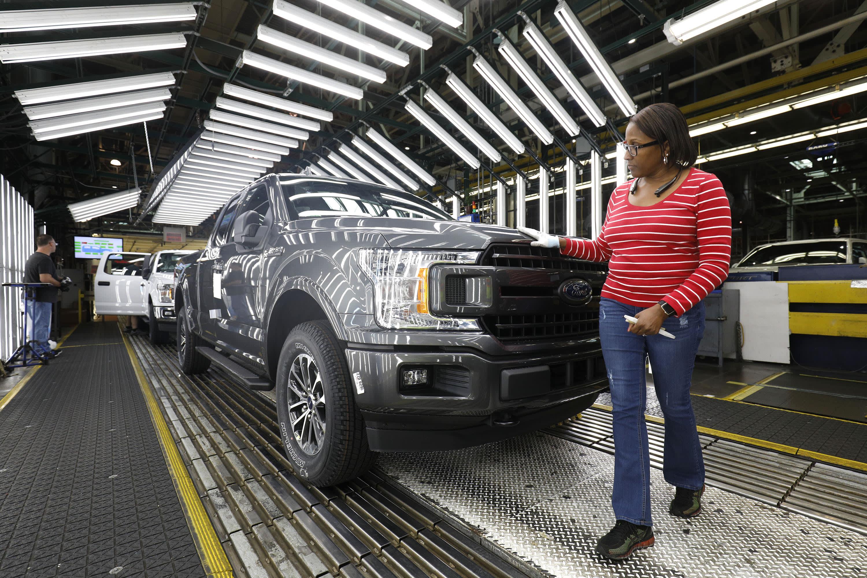 Ford's first-quarter sales drop 12.5% amid coronavirus pandemic