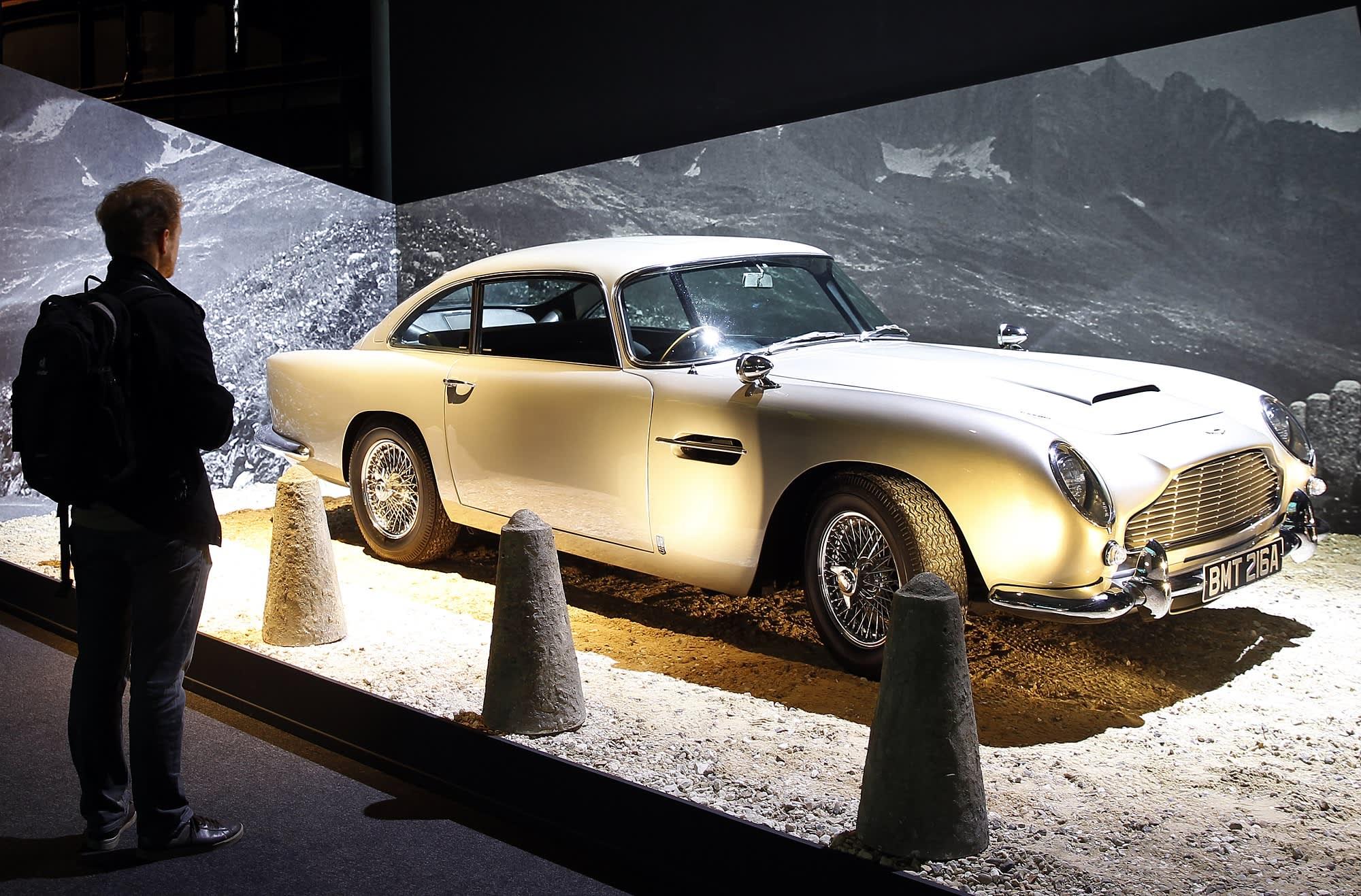 Photos Aston Martin Recreating Db5 Car From James Bond Films