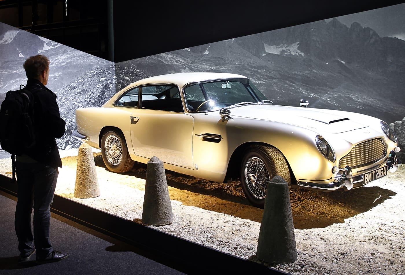 نتيجة بحث الصور عن Aston Martin Golden Finger