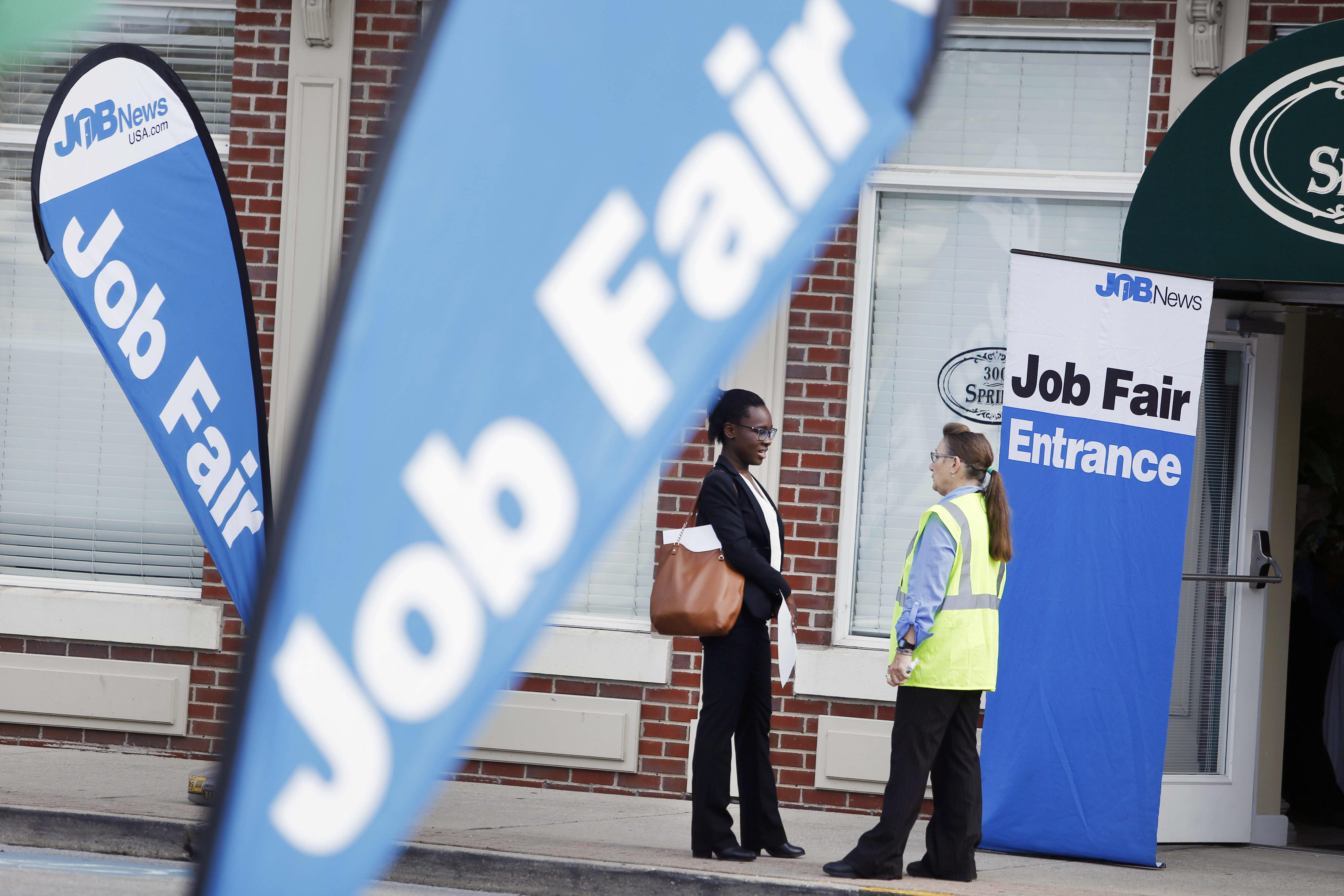 September private payrolls report shows the pace of hiring is slowing