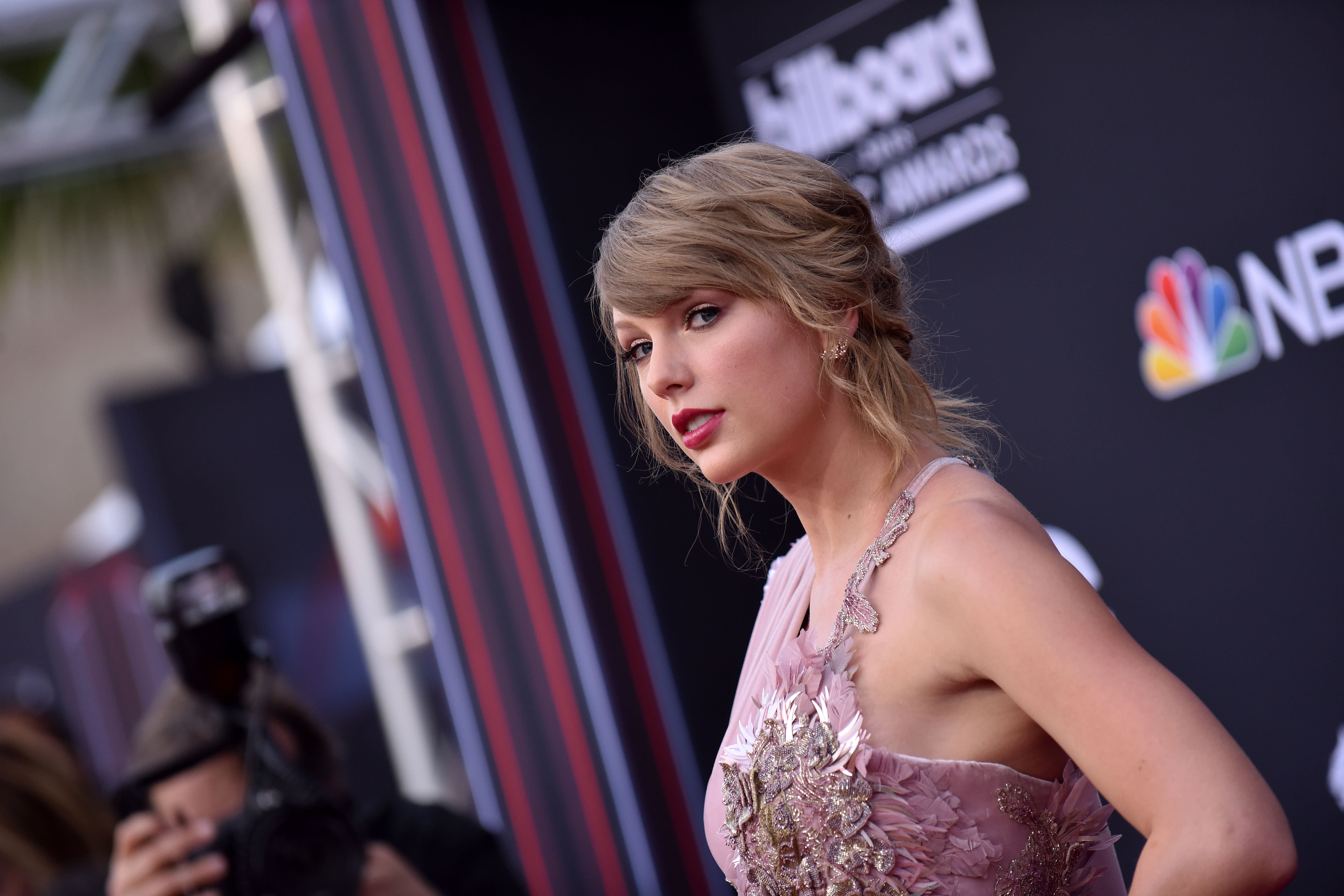 Taylor Swift says this was the moment she noticed sexism in the music industry