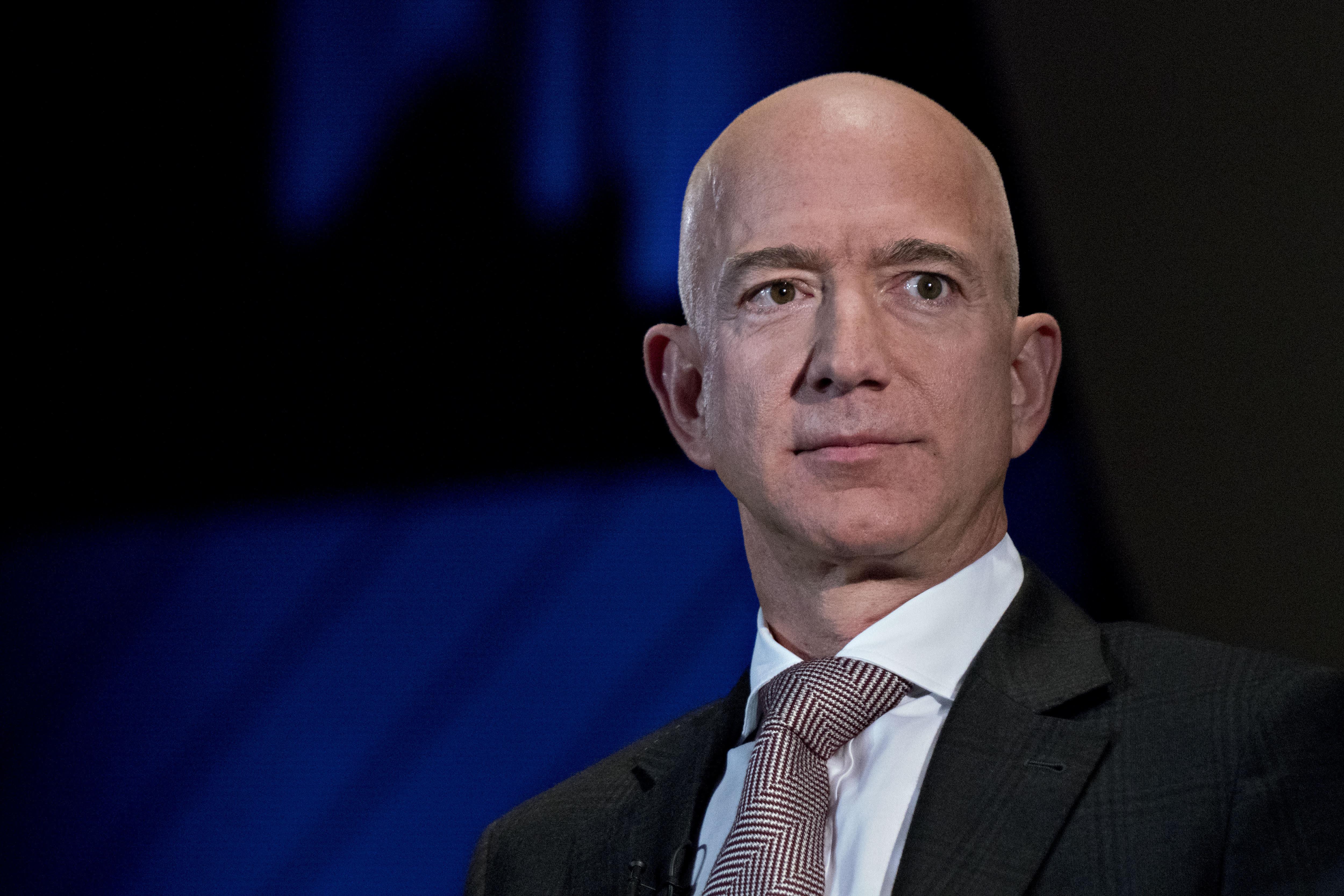 GP: Amazon CEO Jeff Bezos Speaks At Economic Club Of Washington Dinner