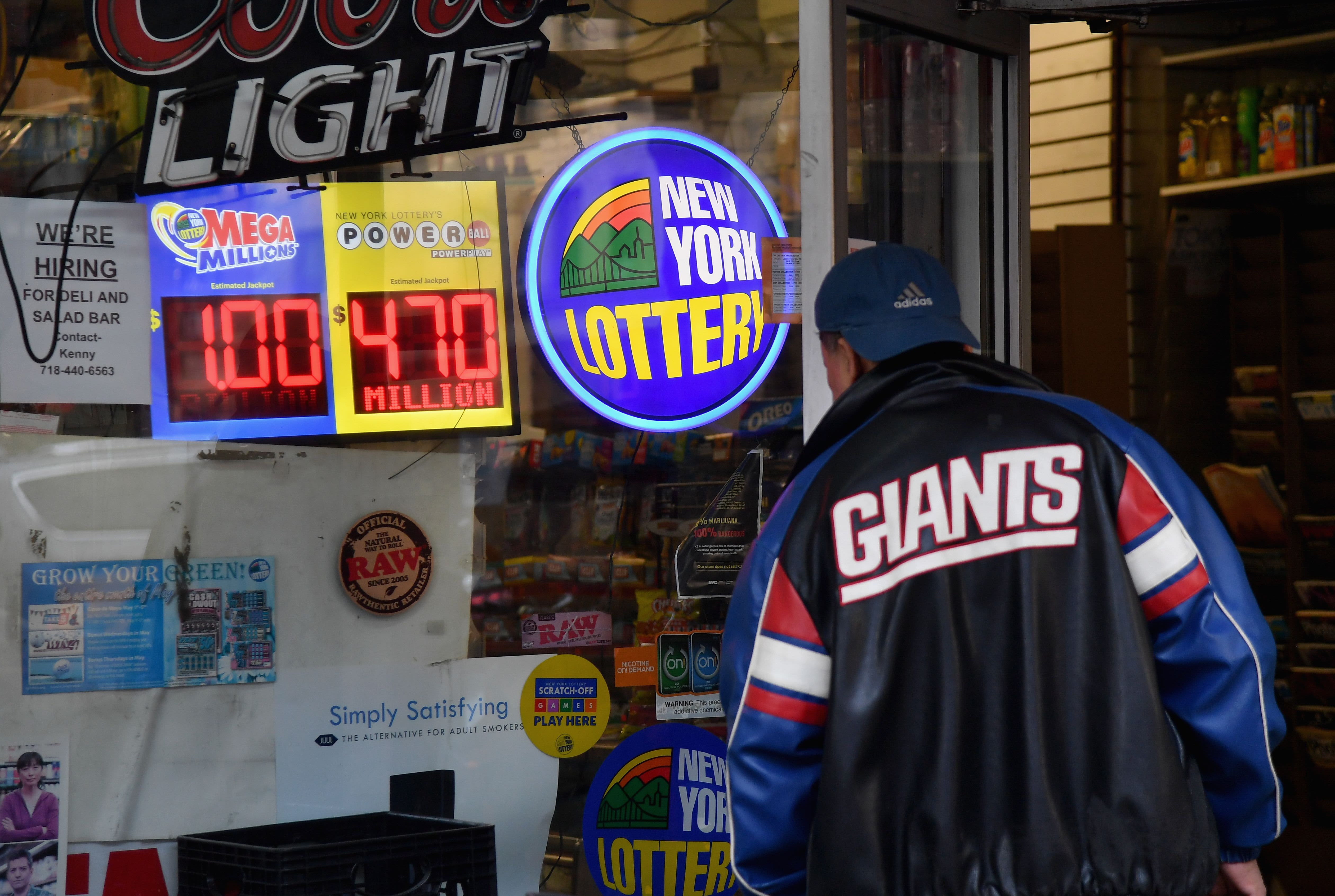 54920f29157 Here s why your odds of winning the  1 billion Mega Millions jackpot are so  slim