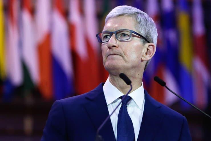 CEO Apple công kích Facebook, Google: Hãy chịu trách nhiệm về những hỗn loạn mà các anh tạo ra - Ảnh 1.