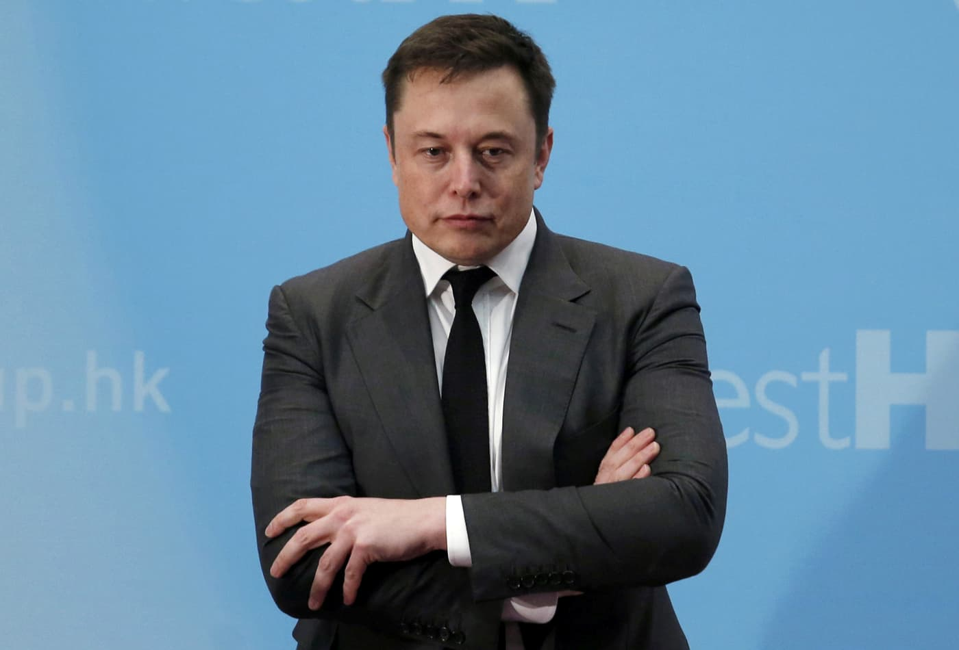 Jim Cramer: Expect Tesla's stock to fall hard on an earnings miss