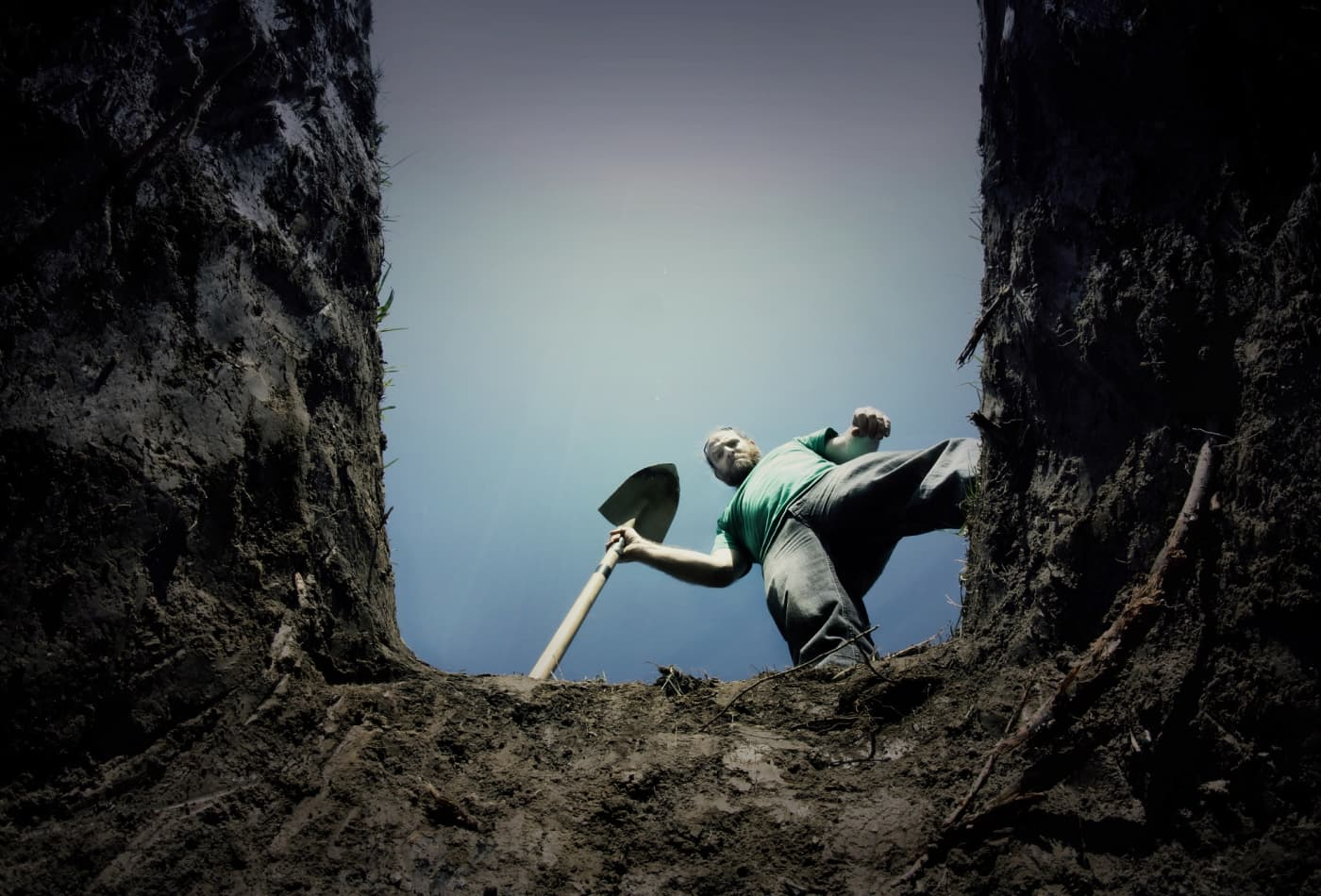 Gravediggers Earn 30700 A Year Heres How Much Spooky Jobs Pay