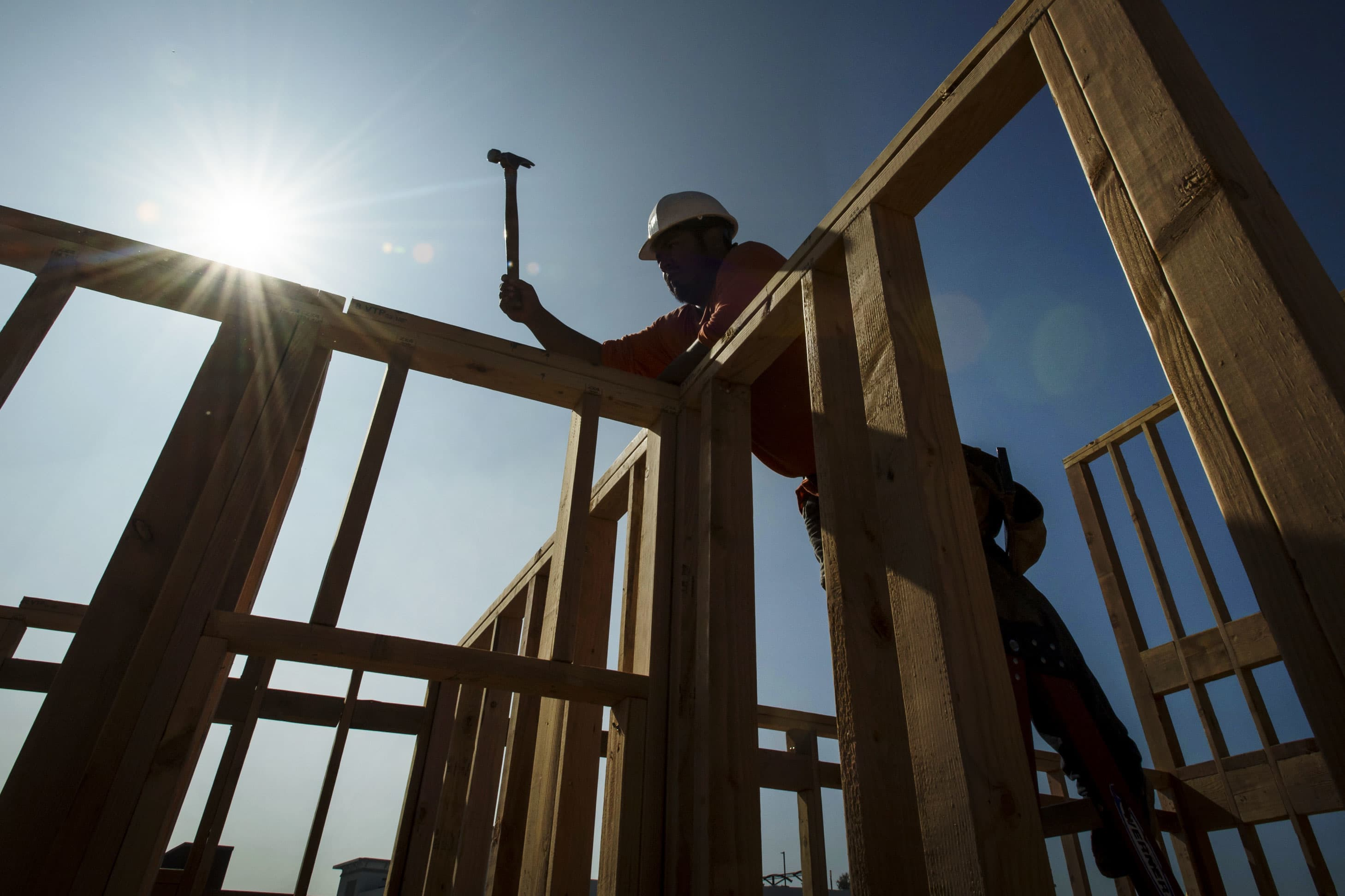 Homebuilder confidence jumps to highest level in 20 years