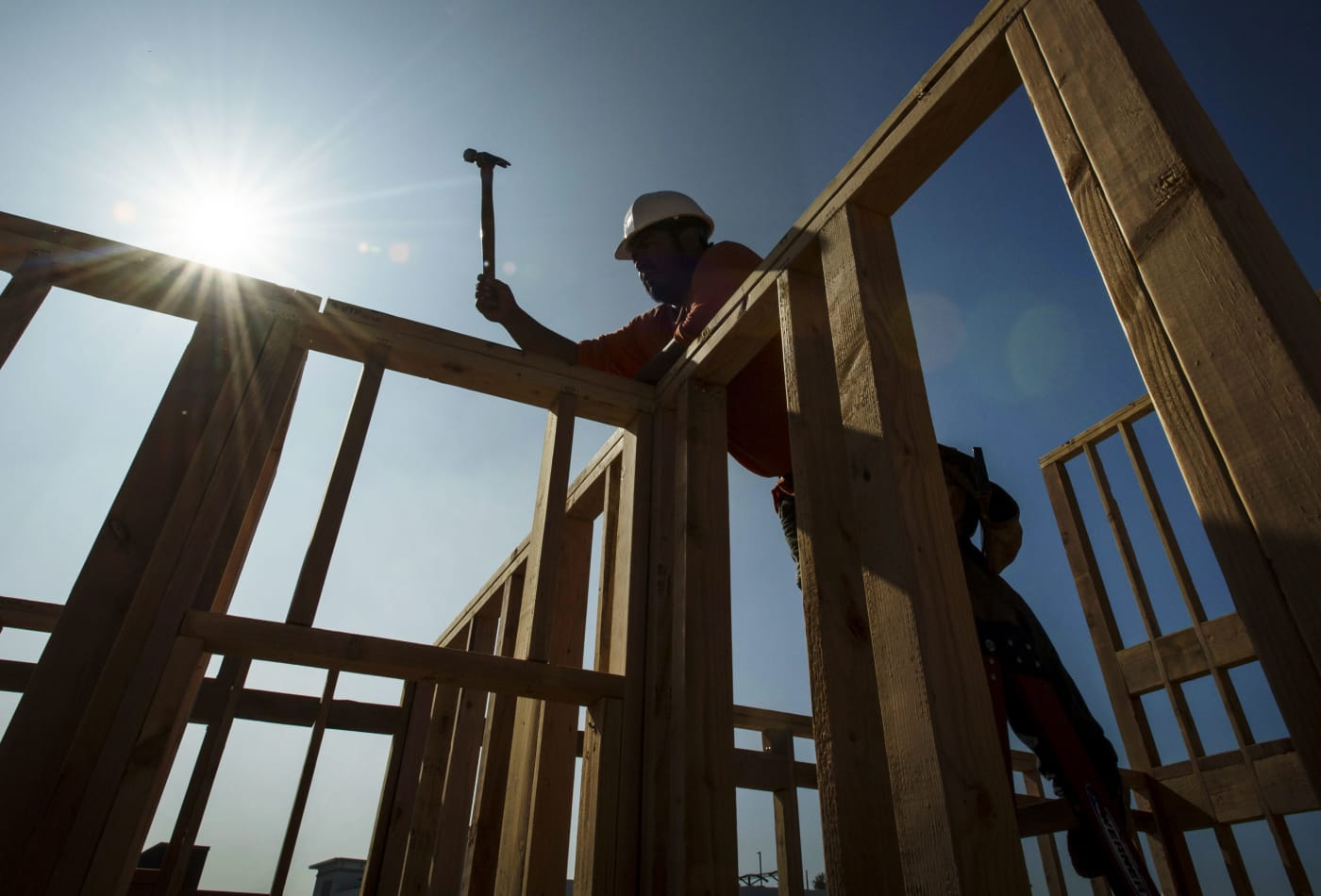 Homebuilder optimism slips slightly to start 2020 but is still high