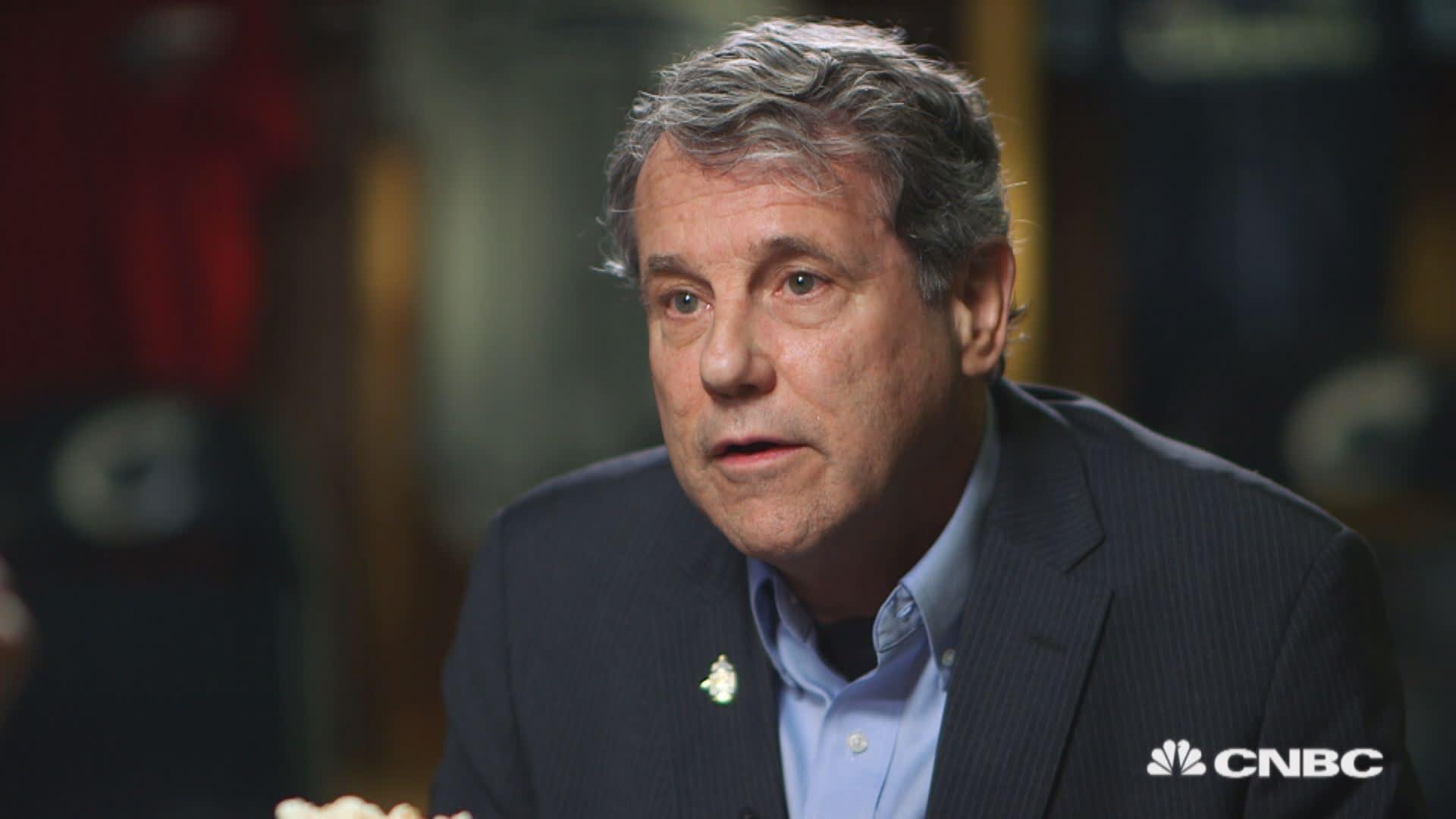 Top Democratic Sen. Sherrod Brown says Trump isn't doing enough to cut drug prices