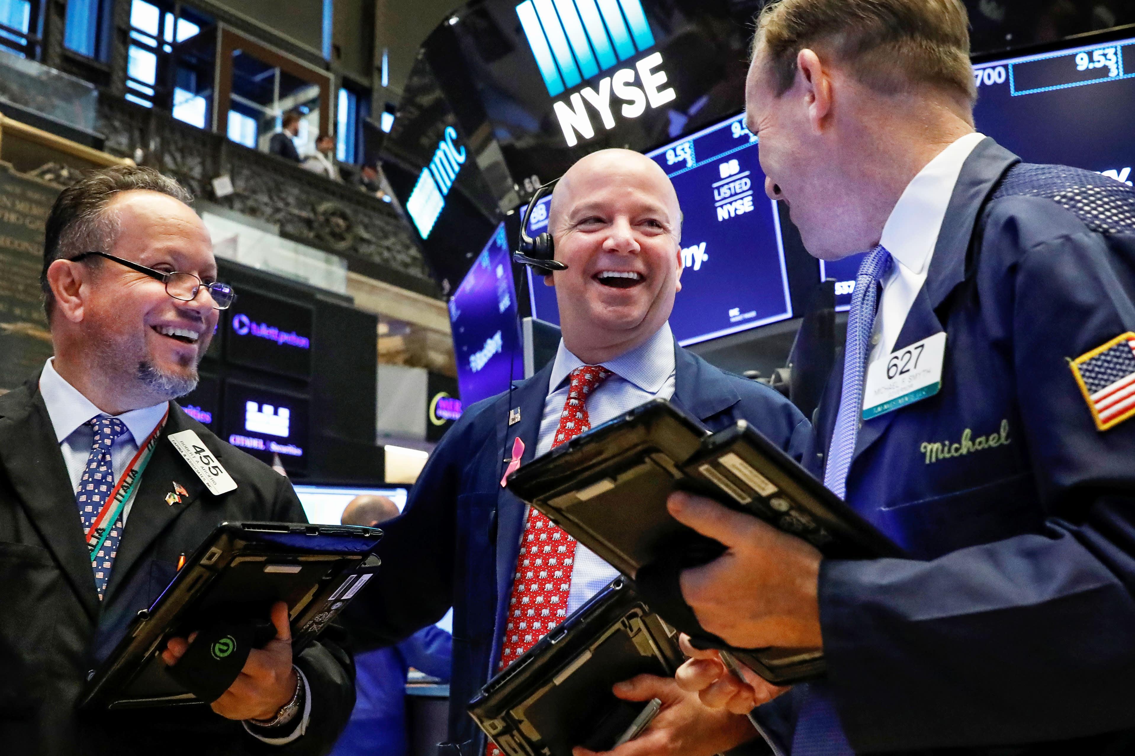 S&P 500, Nasdaq head for weekly losses as chip stocks lead decline