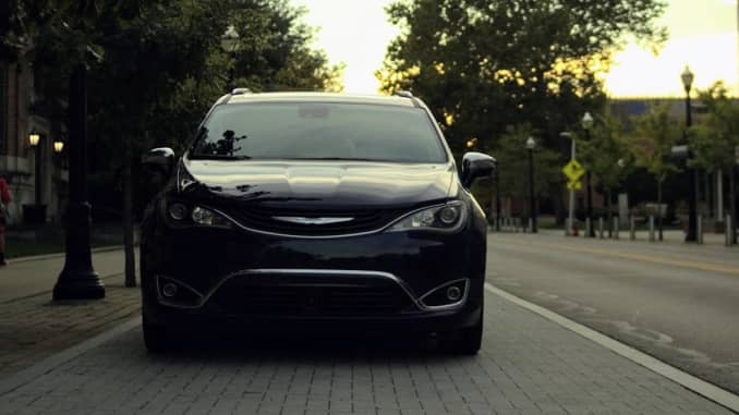 2018 Chrysler Pacifica Hybrid review