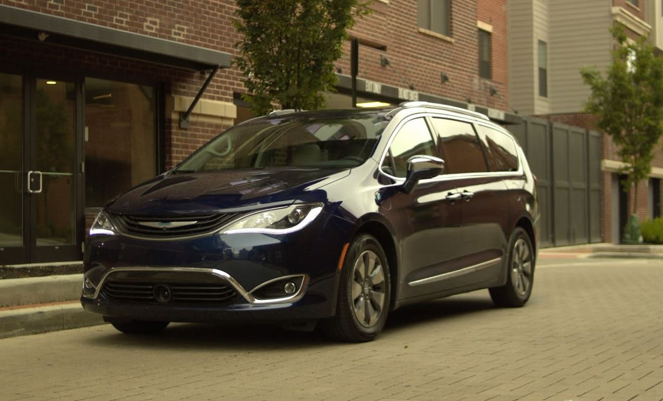 The 2018 Chrysler Pacifica Hybrid Is Best Family Car You Can