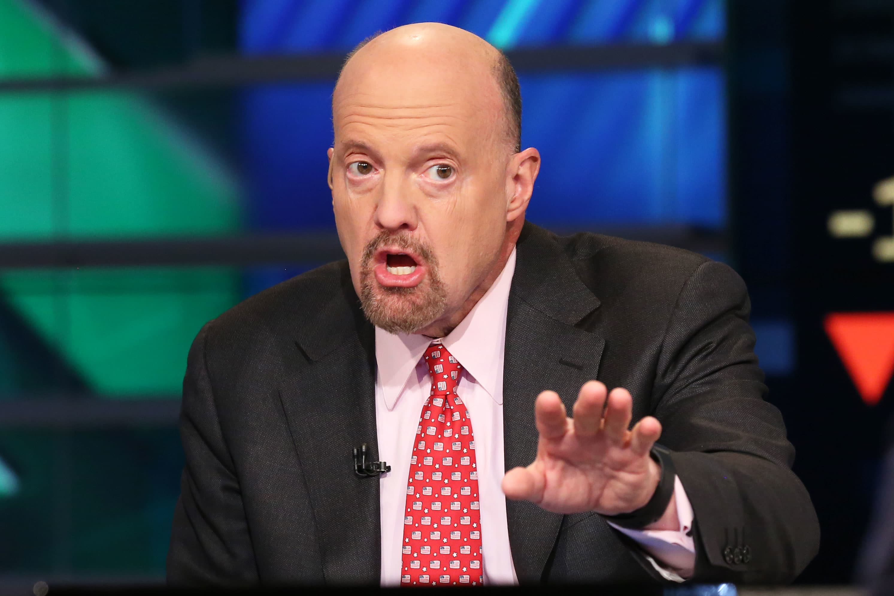 Cramer on CEO reaction to China trade war — some think Trump is 'stupid,' others want to stop him