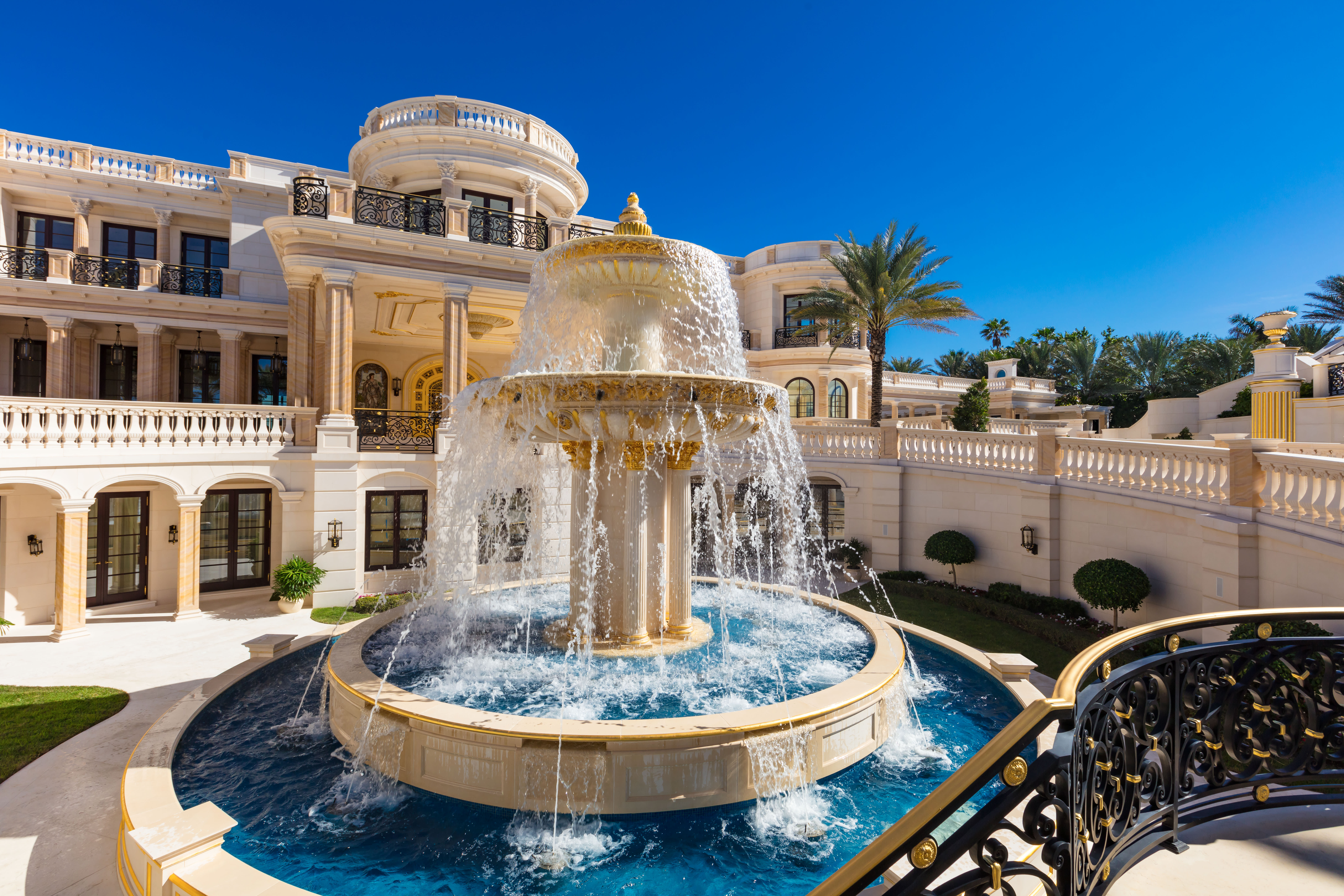 3 mega-mansions with some of the largest price drops in luxury real estate