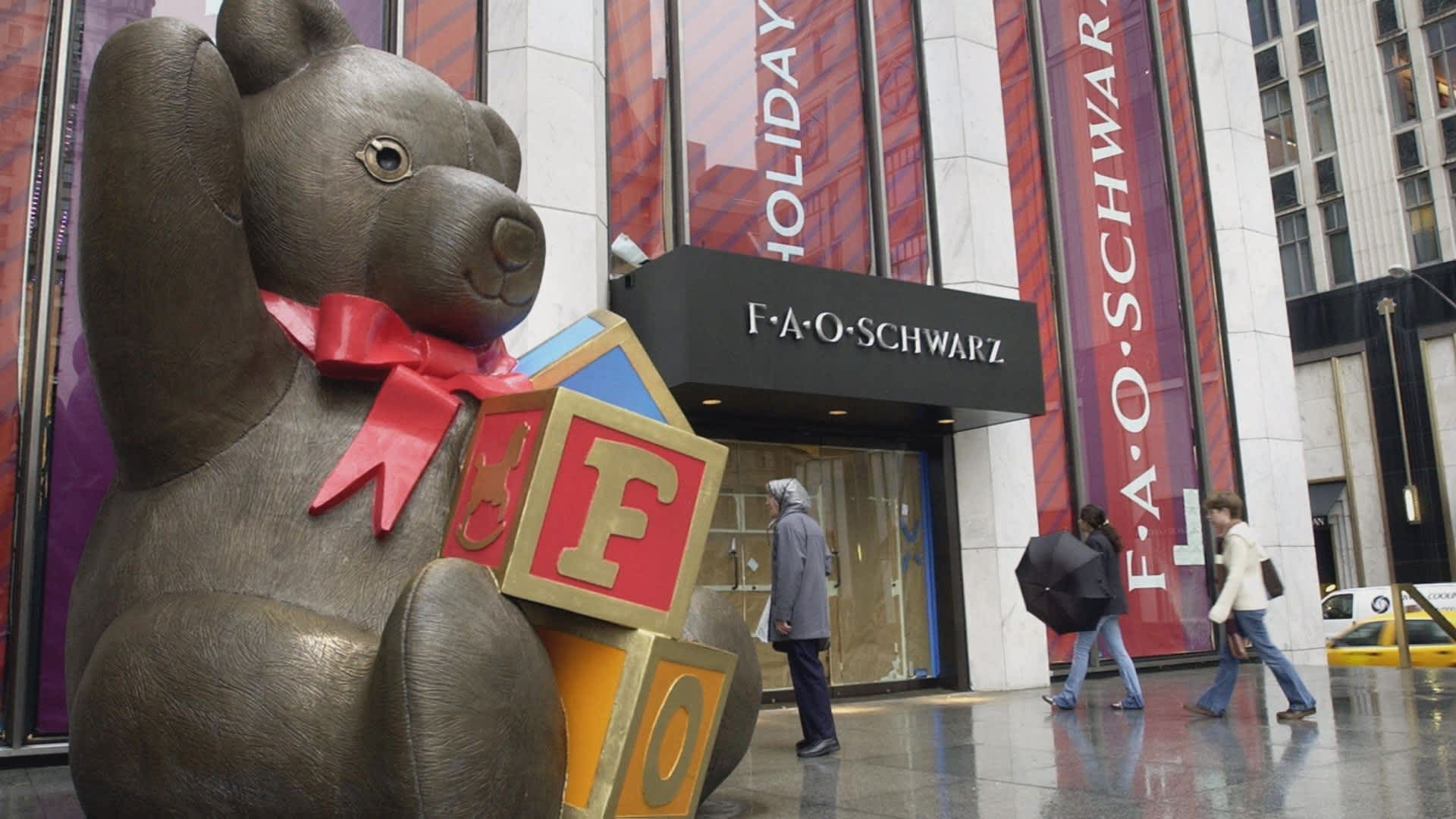 FAO Schwarz is back in New York, here's what its new store
