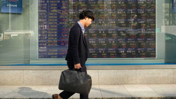 Asia Markets Nov 11 Hong Kong Hang Seng Us China Trade Currencies
