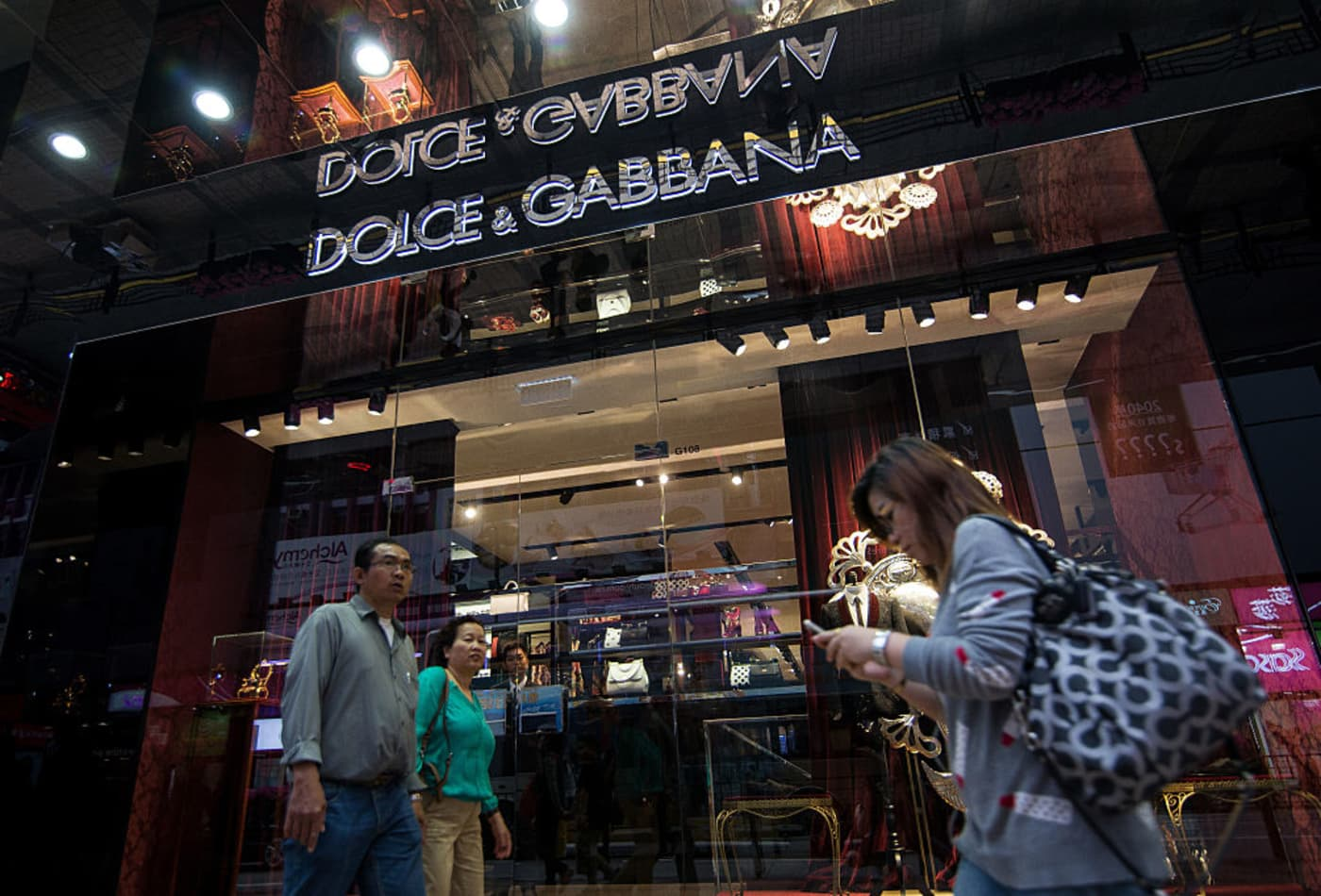 7106fa6921c9 Dolce and Gabbana reportedly cancels Shanghai show after racism ...