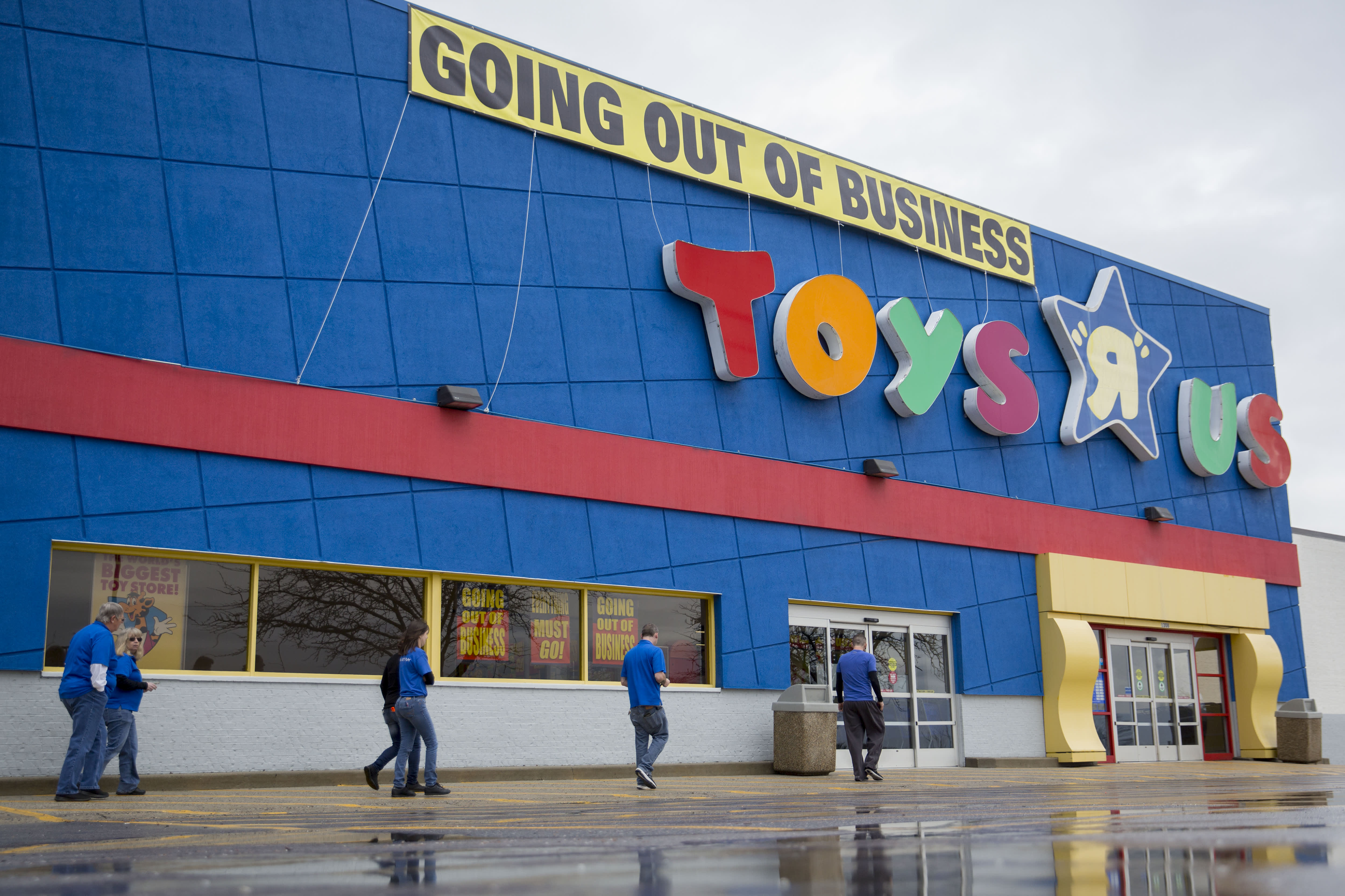 Former Toys R Us Executives Plan The Iconic S Comeback