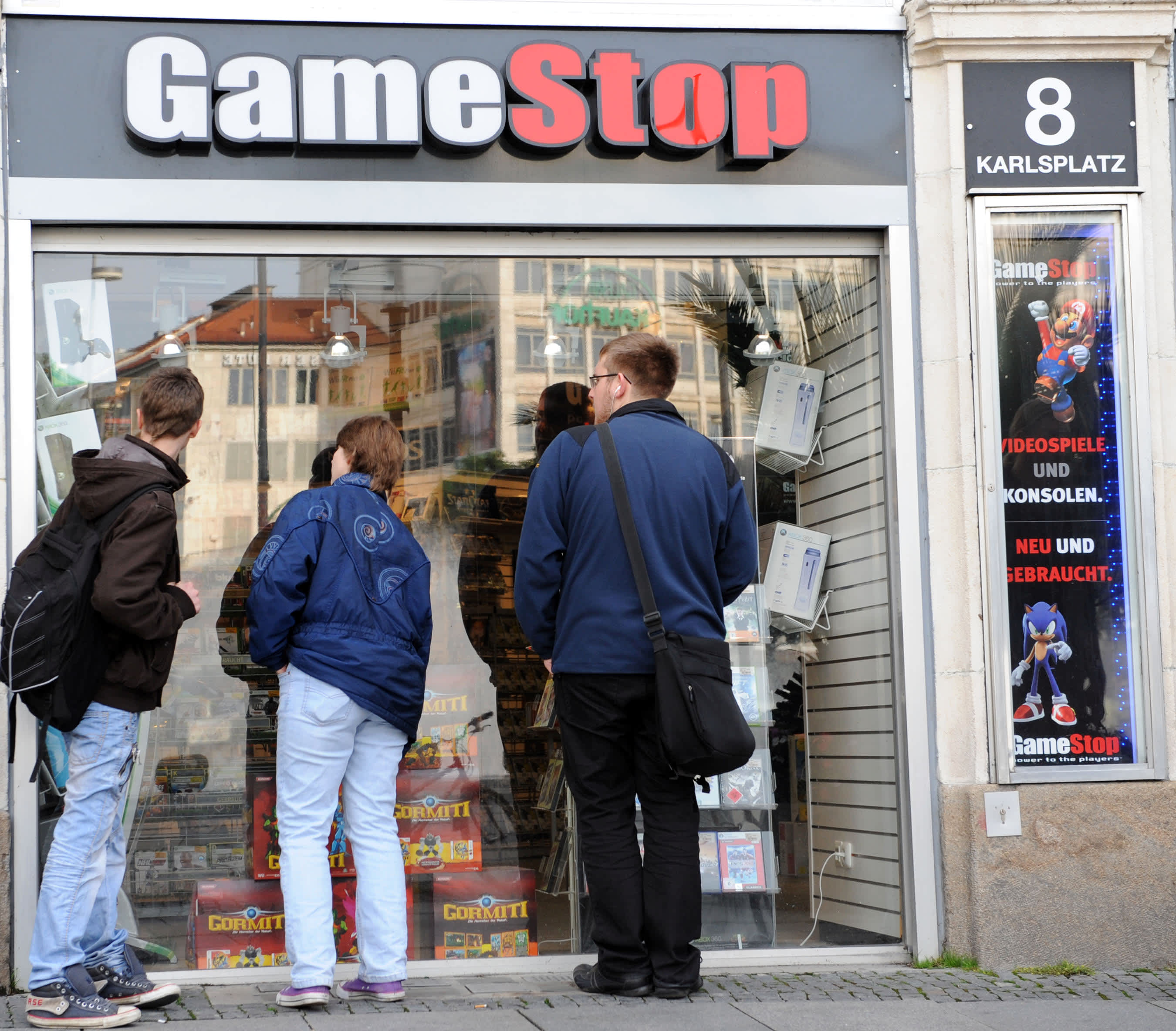 GameStop shares tank after earnings miss, cuts sales forecast