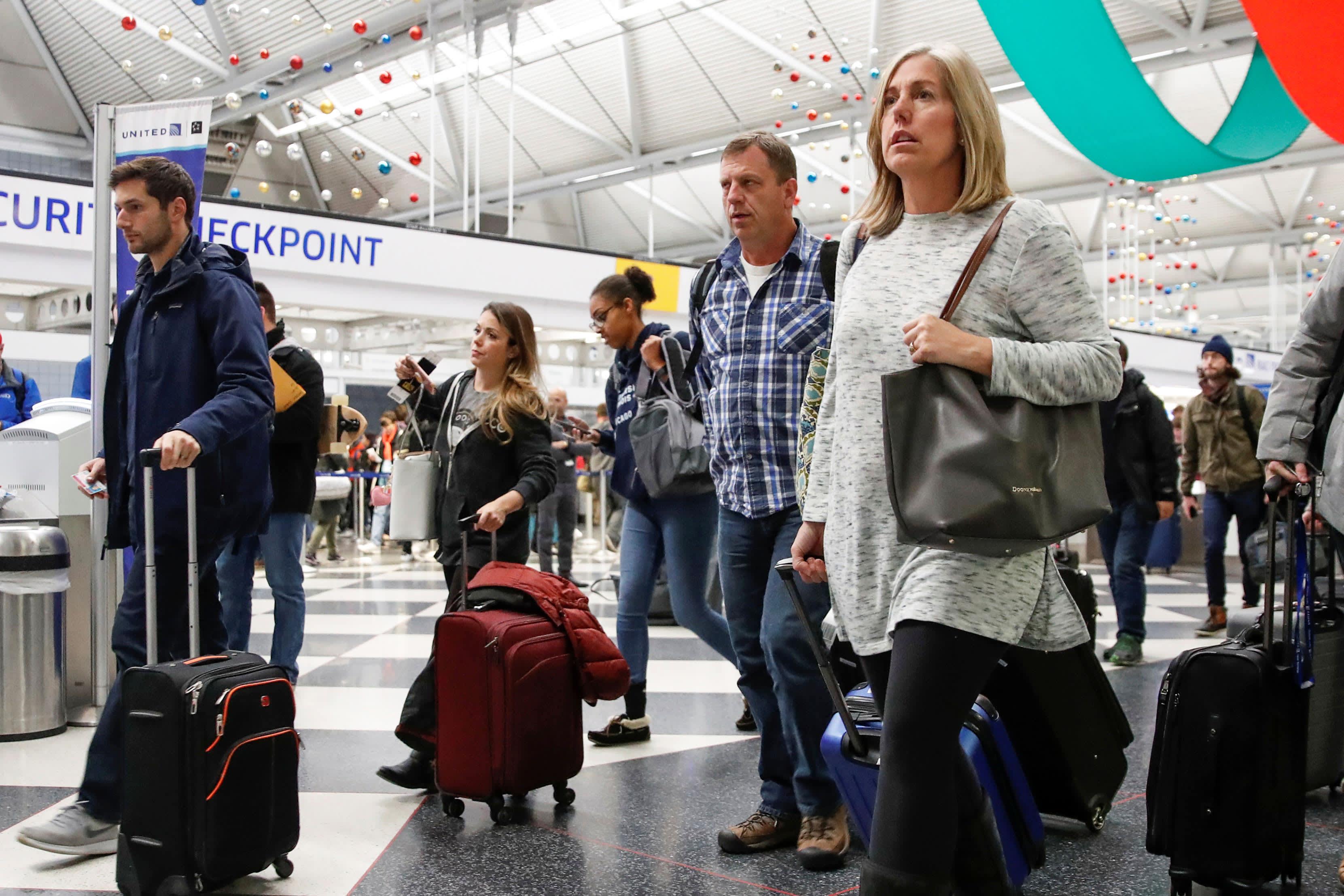 RT: Travelers passengers O