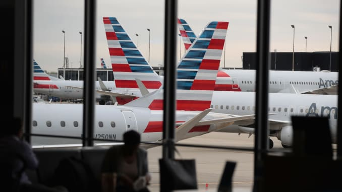 American Airlines apologizes for summer travel disruptions