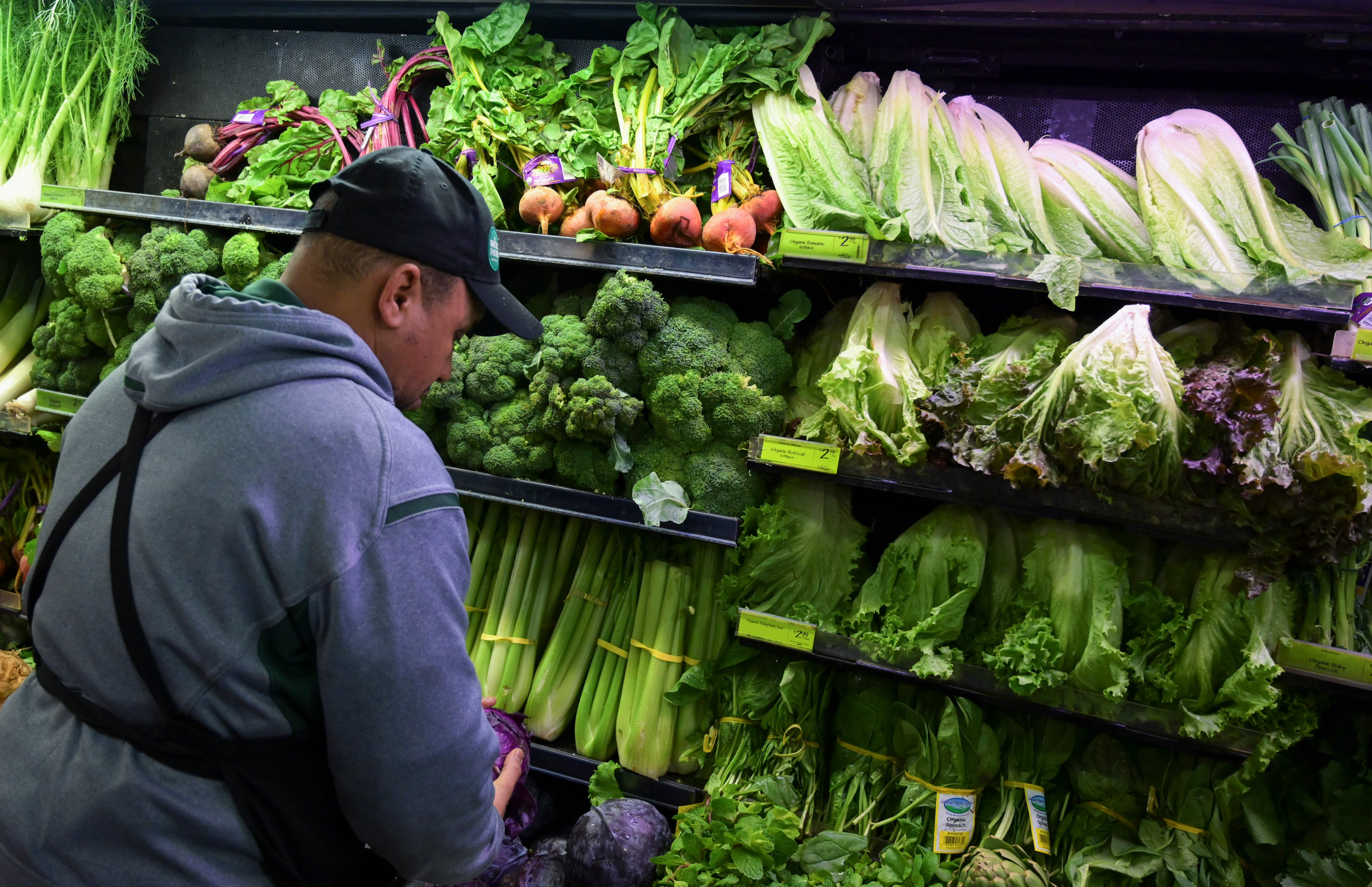 Lettuce prices soar amid E  coli outbreak linked to romaine