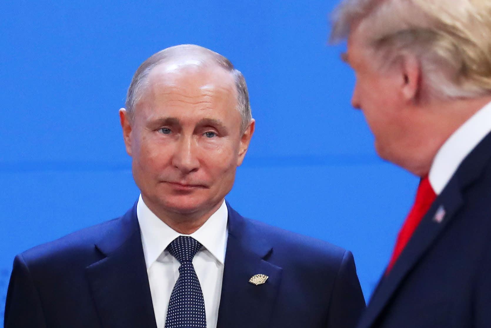 RT: Donald Trump and Vladimir Putin at G20 181130