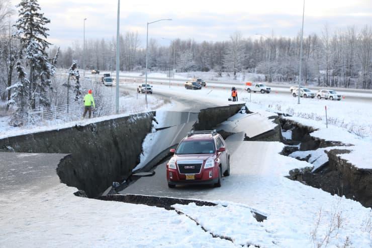 RT: Anchorage Alaska earthquake 181130
