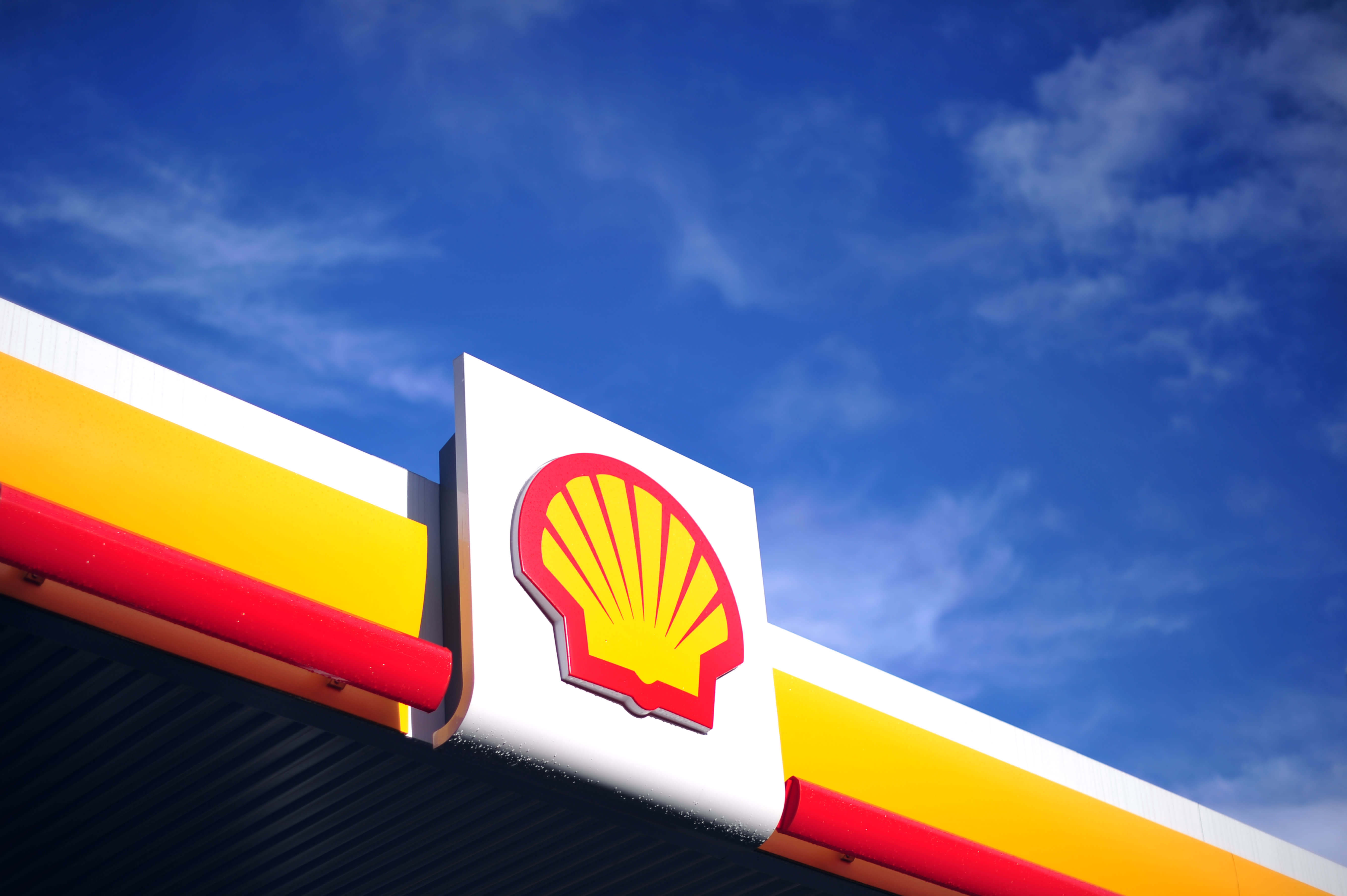 Shell's second-quarter profit slumps 82% on coronavirus hit to oil prices energy demand – CNBC