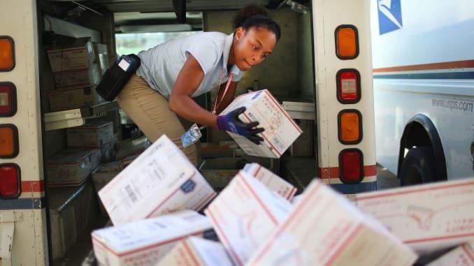 GS: U.S. Postal Service delivery 151214