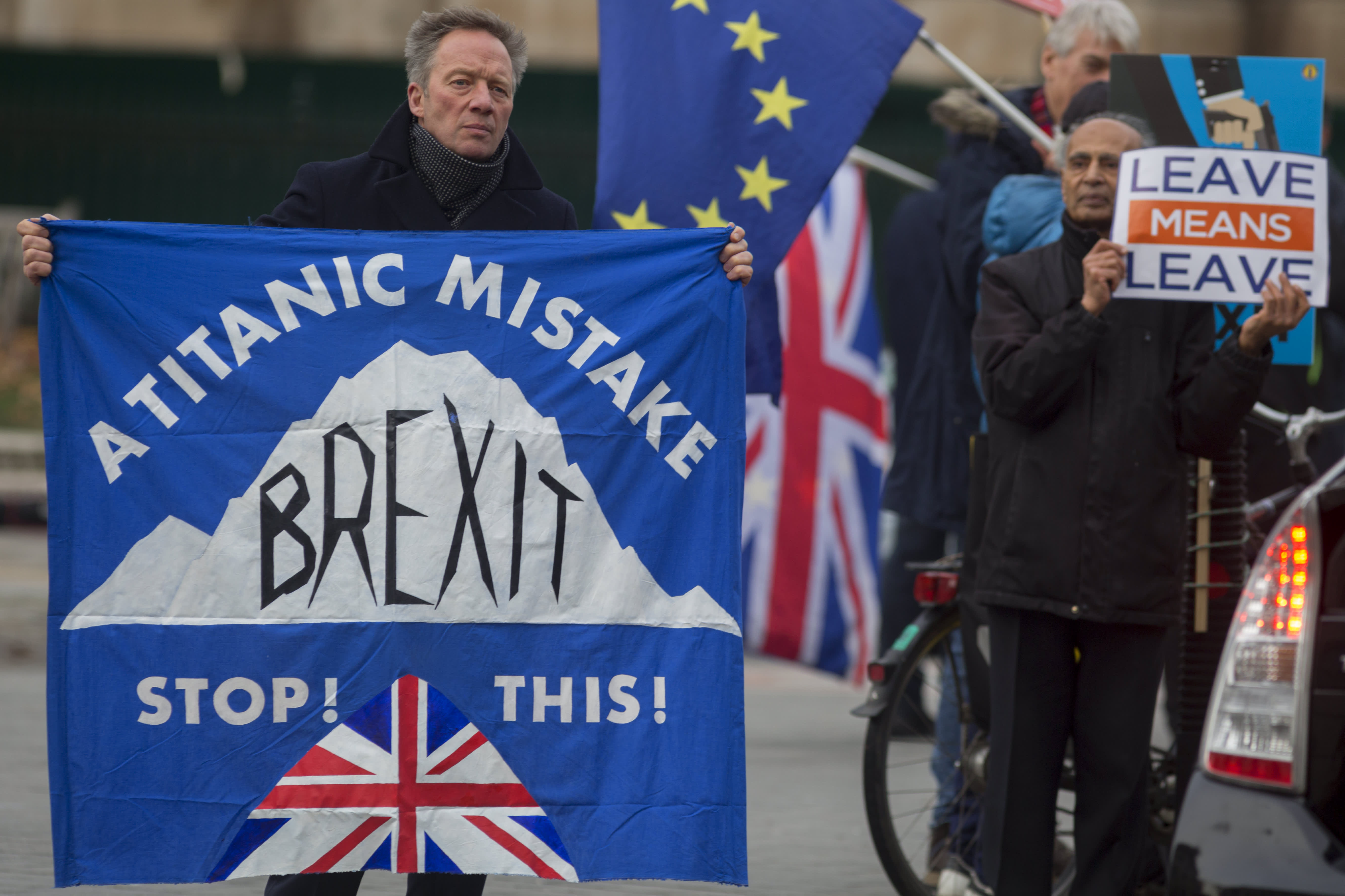 GI: Brexit Protest Outside Parliament