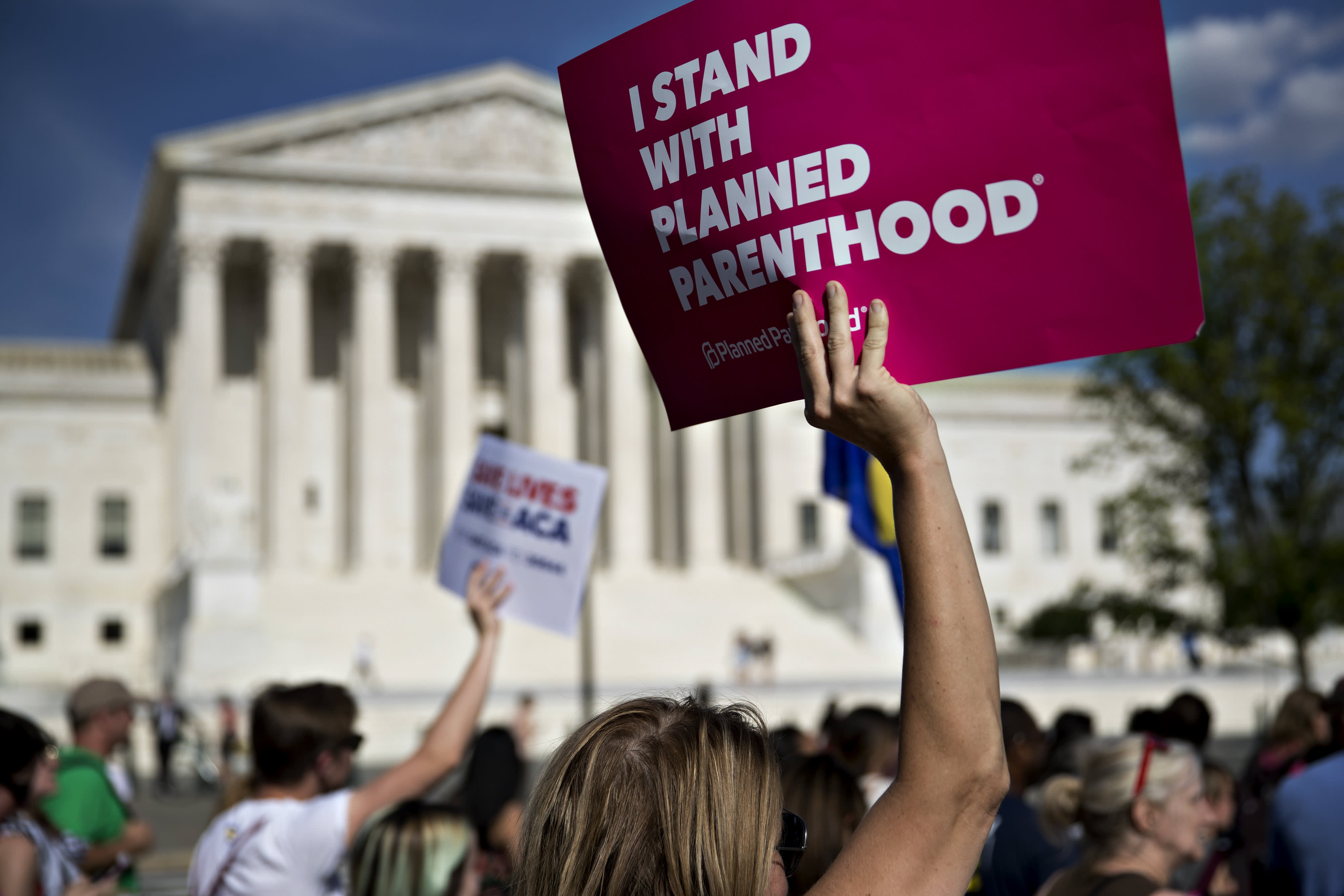 Supreme Court hamstrings states' efforts to defund Planned Parenthood