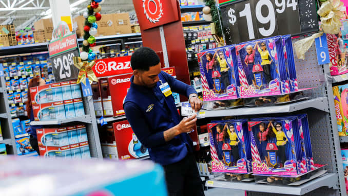 Walmart is going after high school students in war for talent