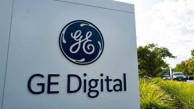 Here's why GE, Ford's digital transformation programs failed last year