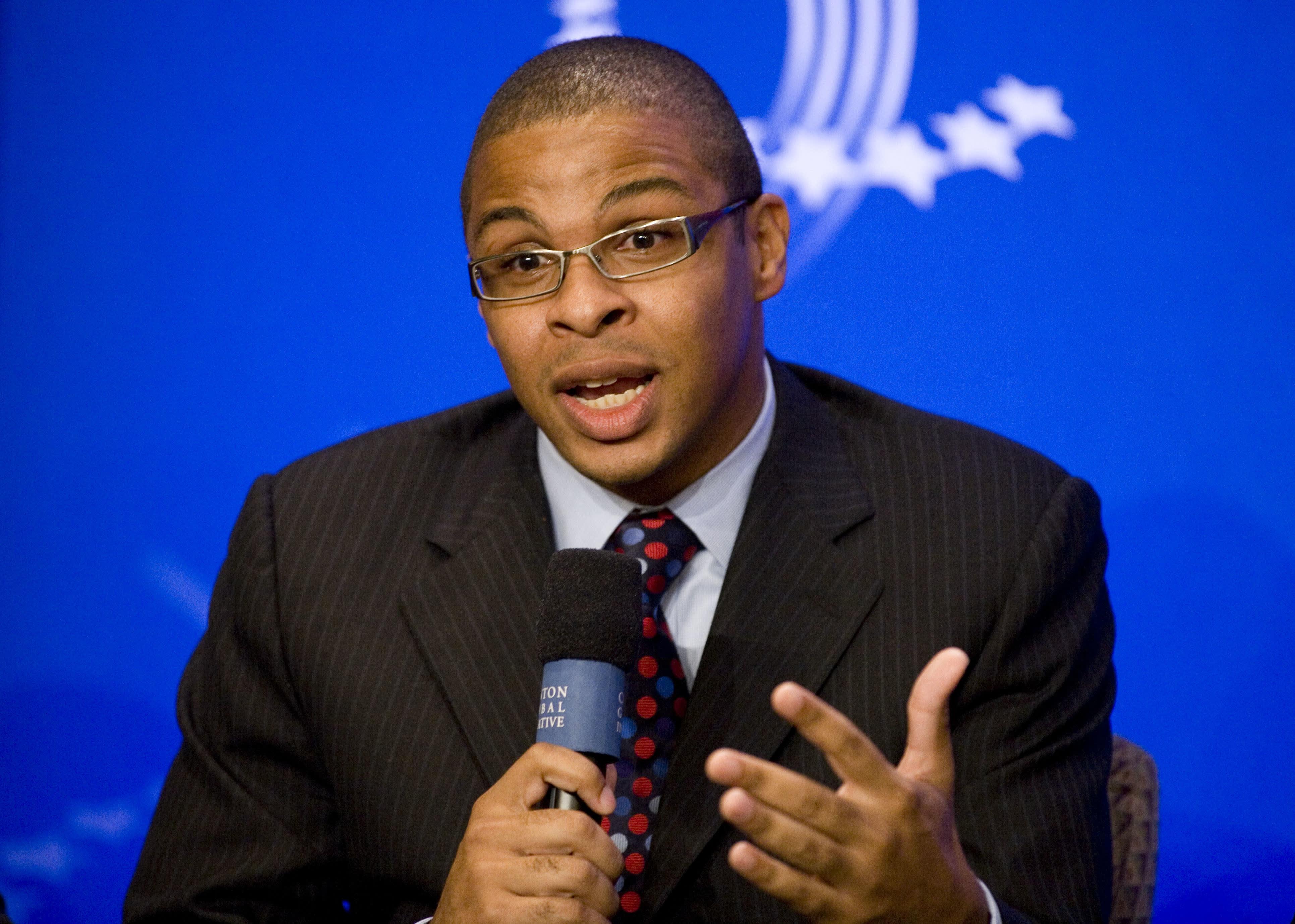 Harvard University professor Roland Fryer speaks at the Clinton Global Initiative in New York on Sept. 25, 2008.
