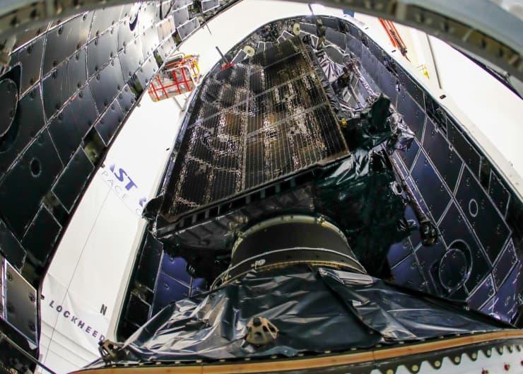 H/O: Lockheed Martin SpaceX GPS III satellite 181218 EC