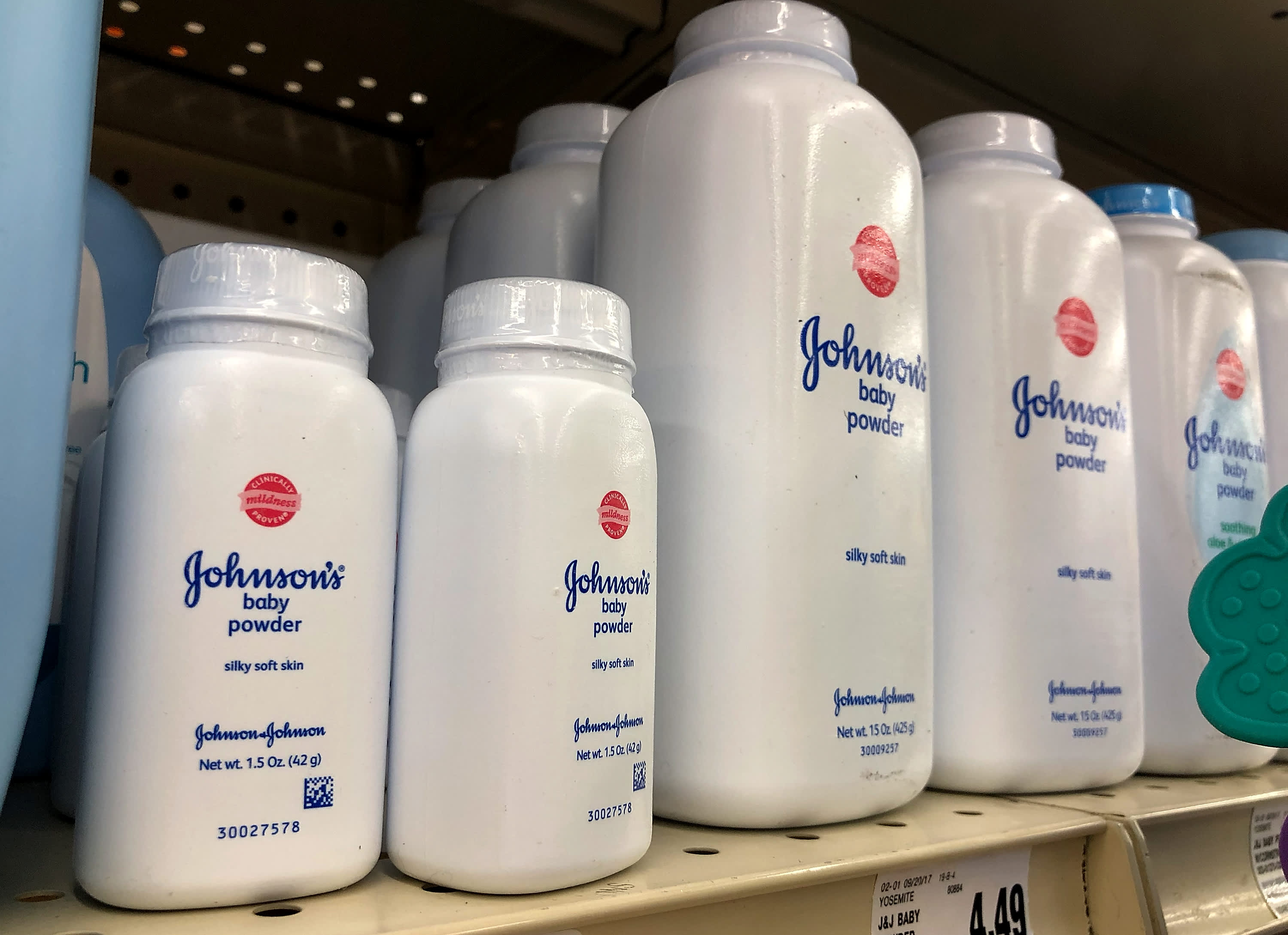 Judge denies J&J's request to transfer 2,400 talc lawsuits to federal court