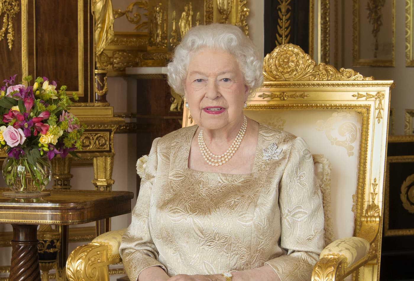 Queen goes viral for urging generosity, sacrifice near gold