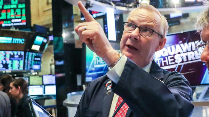 Dow set to rebound | Kraft Heinz tanks | Trump joins trade talks