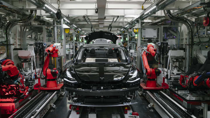 Tesla shares rise on report that the company is preparing to increase production in California