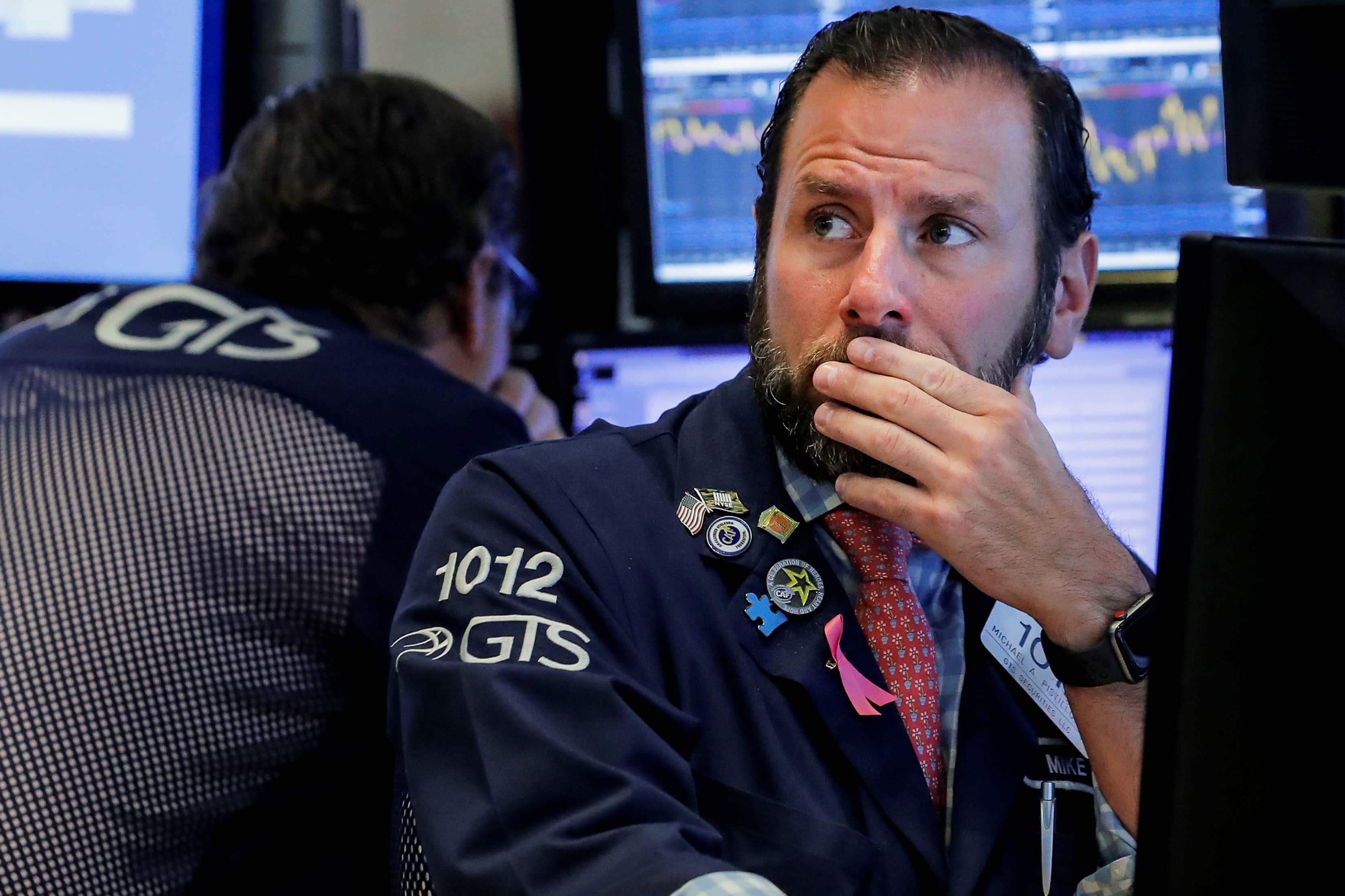 RT: NYSE trader worried concerned 181017