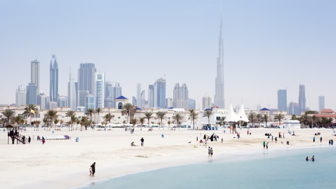 GP: Dubai Skyline 190108 ASIA