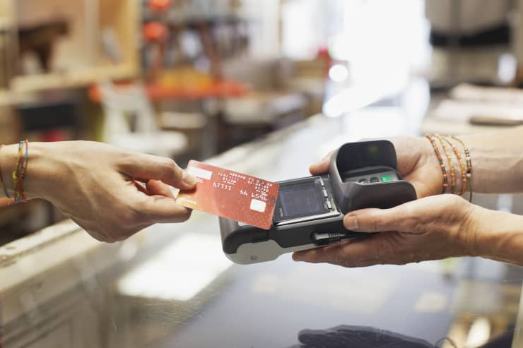 GP: Woman's making contactless payment