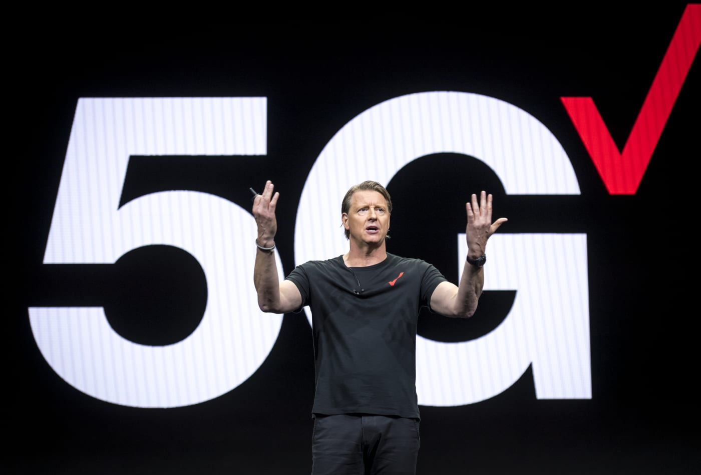 Verizon CEO says he doesn't want a 5G 'cold war' between the US and China