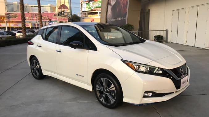 Nissan Leaf Range >> Nissan Takes On Tesla By Giving Leaf Major Range