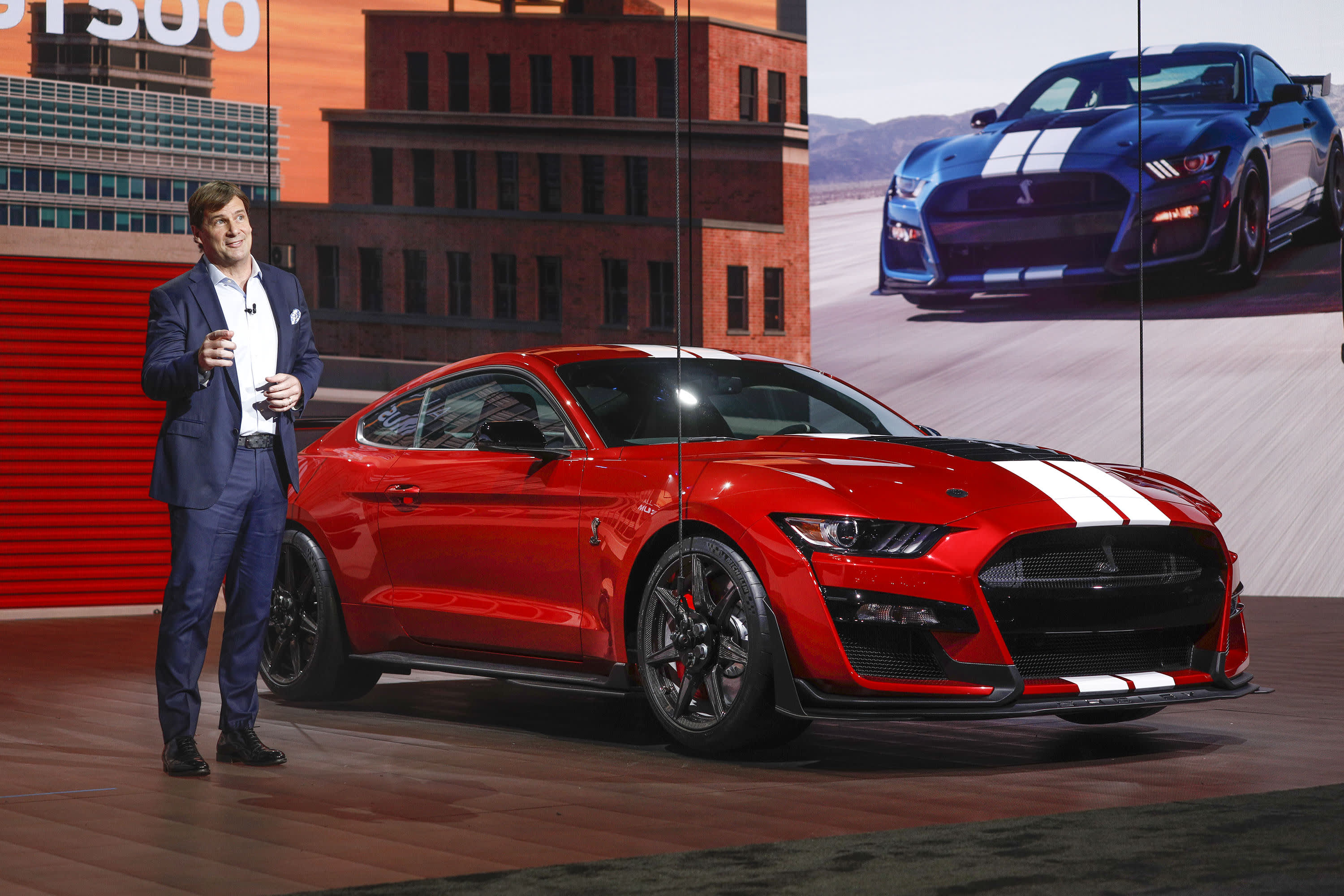 Ford Debuts 700 Horsepower Street Legal Mustang Shelby Gt500