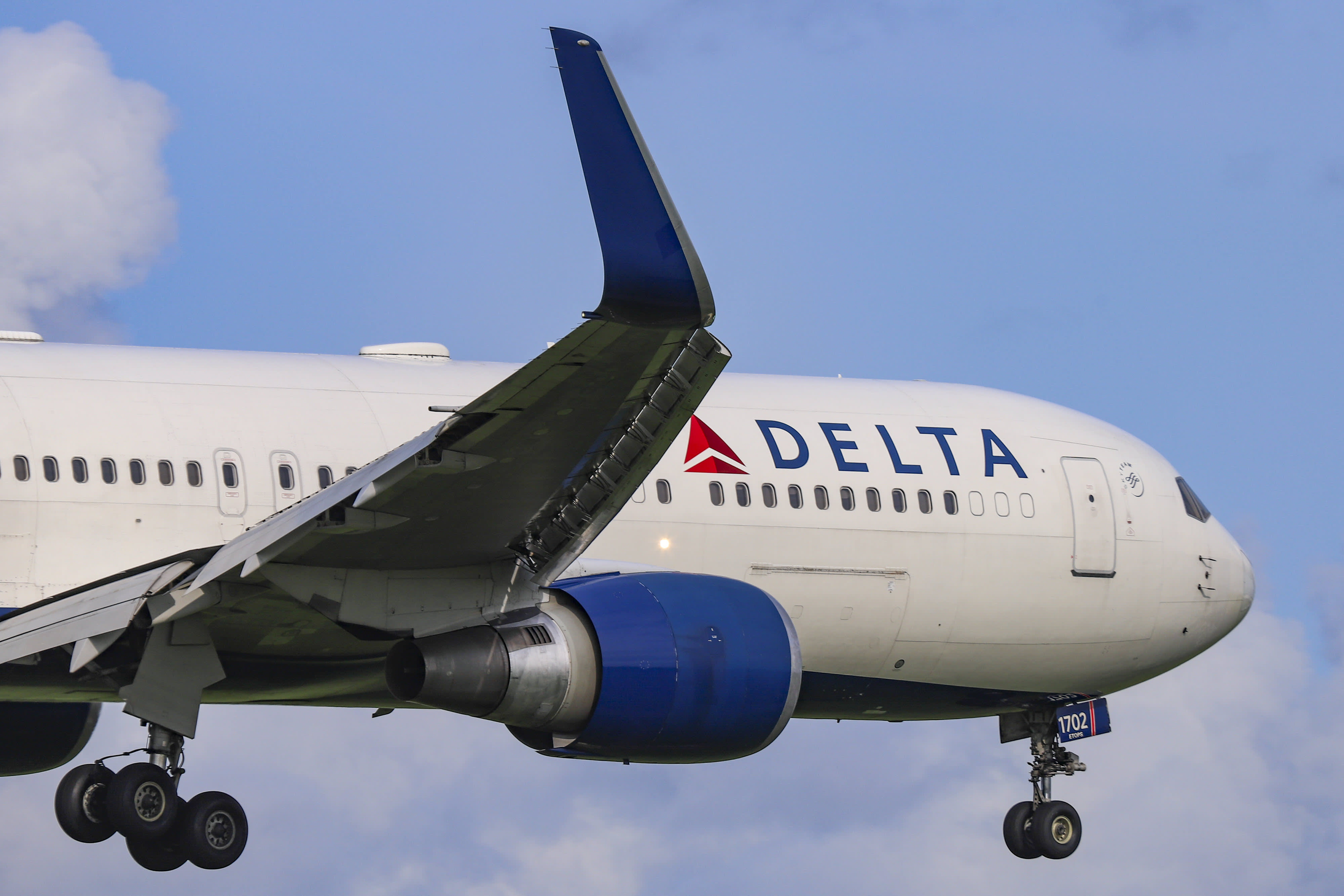 Delta's fourth-quarter profit beats estimates thanks to cheaper fuel and strong travel demand