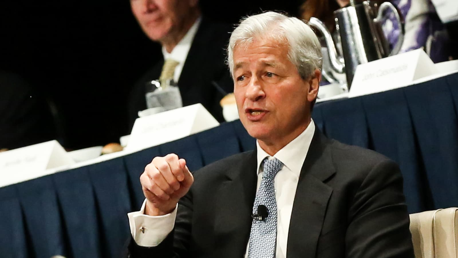 jp morgan invest in cryptocurrency
